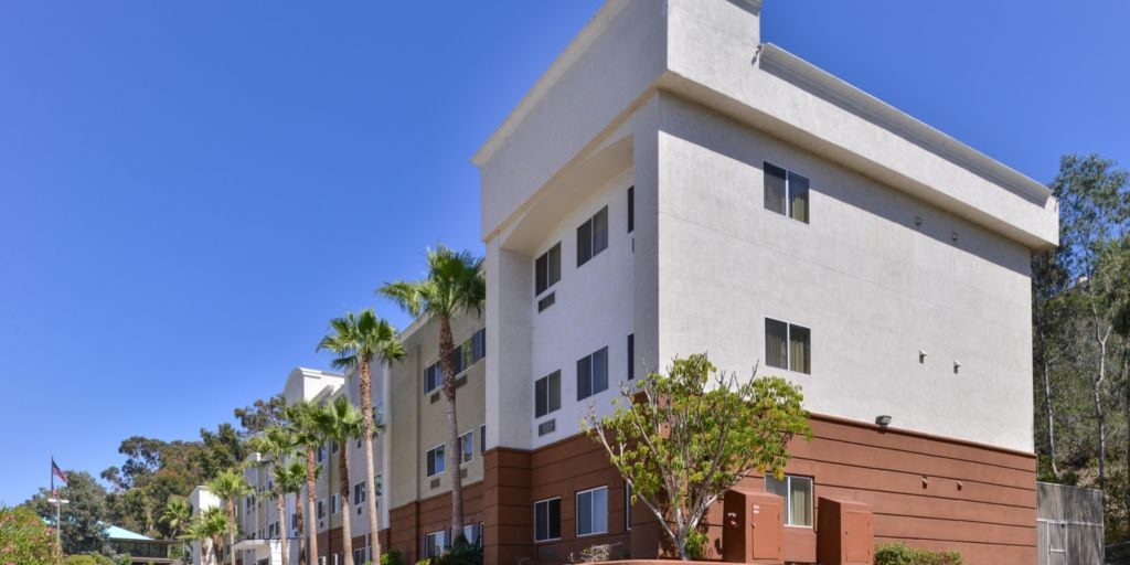 San Diego Hotels: Candlewood Suites San Diego - Extended Stay Hotel ...