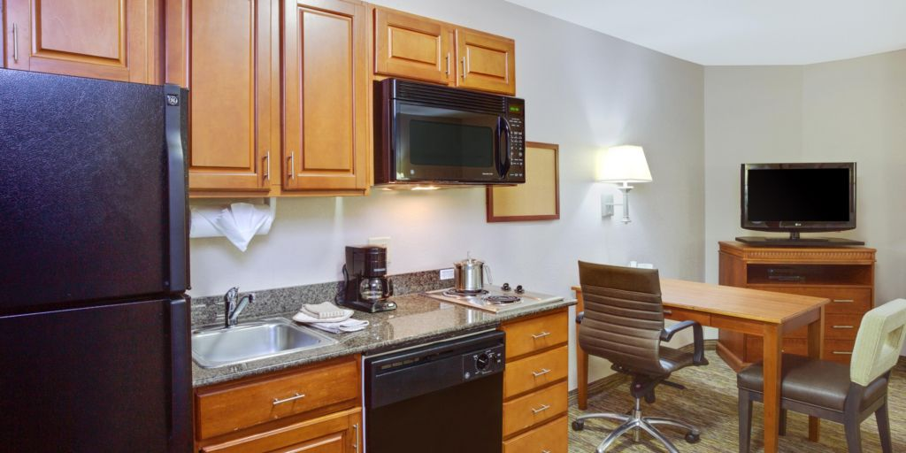 king suite kitchen - Cheap Hotels In Virginia Beach With Kitchenette