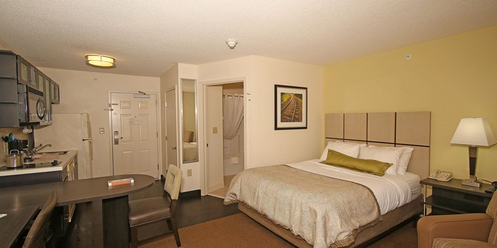 Yorktown Hotels Candlewood Suites Newport News Extended Stay Hotel In Virginia