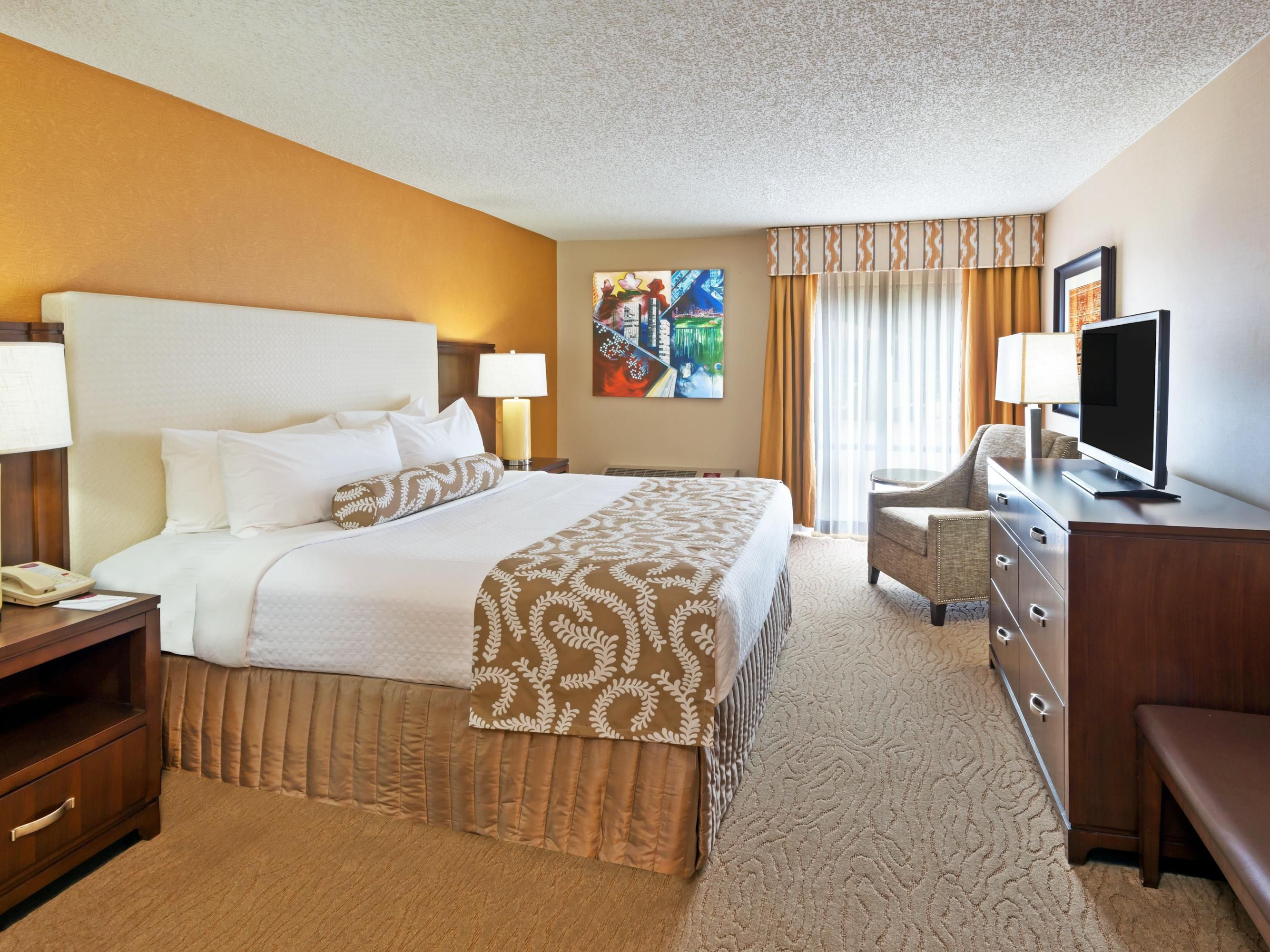Mo mo mo modern bedroom sets dallas - Ihg Crowneplaza Components Photogallery Roomphotos Primary