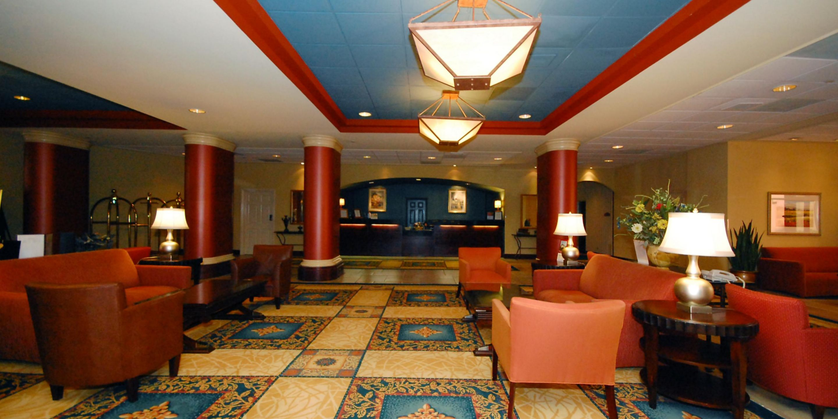 Welcome To The Crowne Plaza Austin Lobby Reception Area