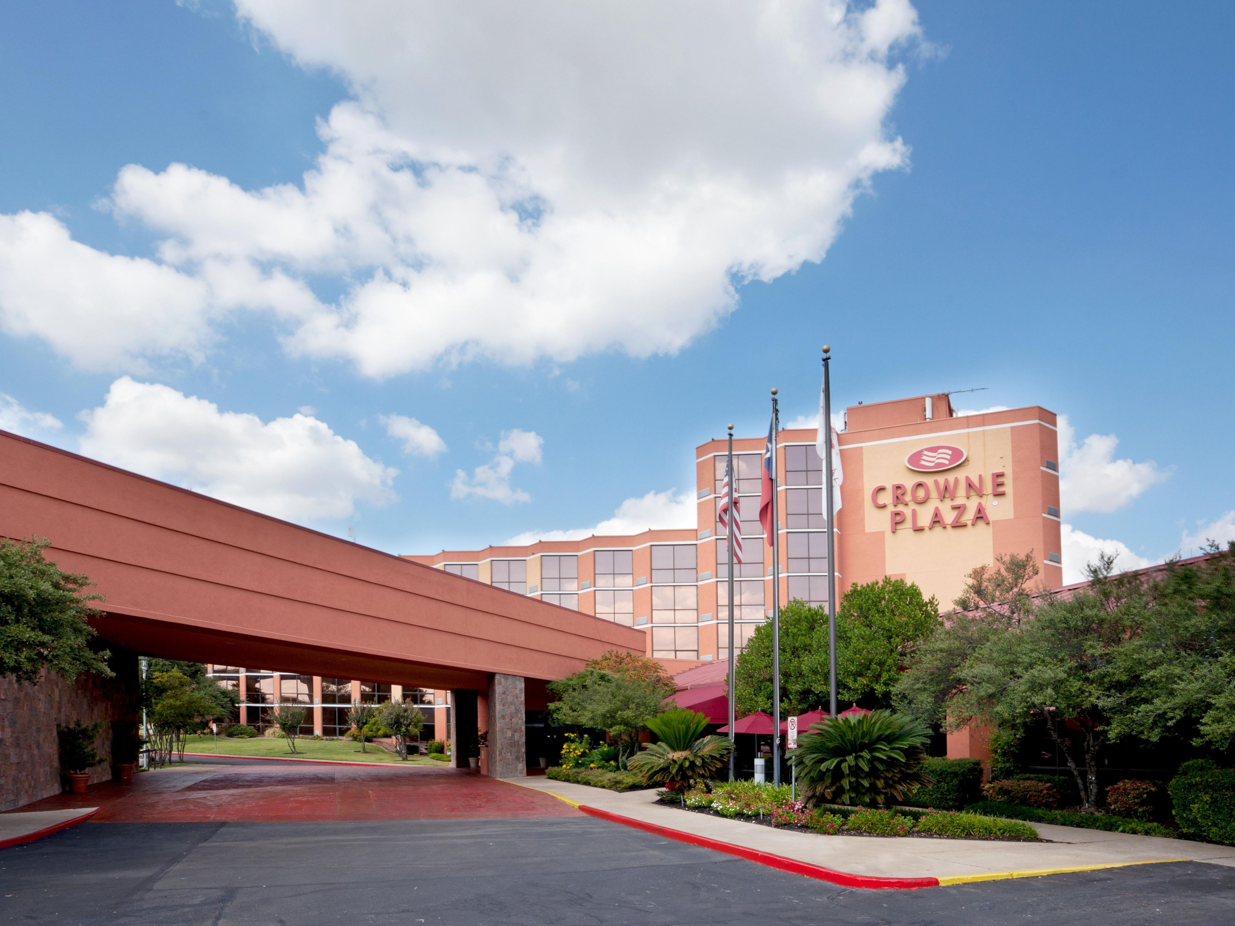 Welcome To The Crowne Plaza Austin