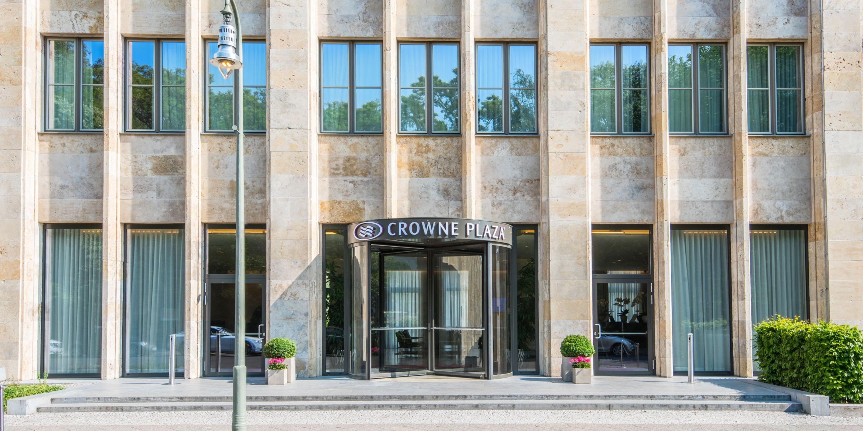 Früher Postamt, heute Hotel: Das Crowne Plaza am Anhalter Bahnhof. (c) IHG Crowne Plaza Berlin Potsdamer Platz