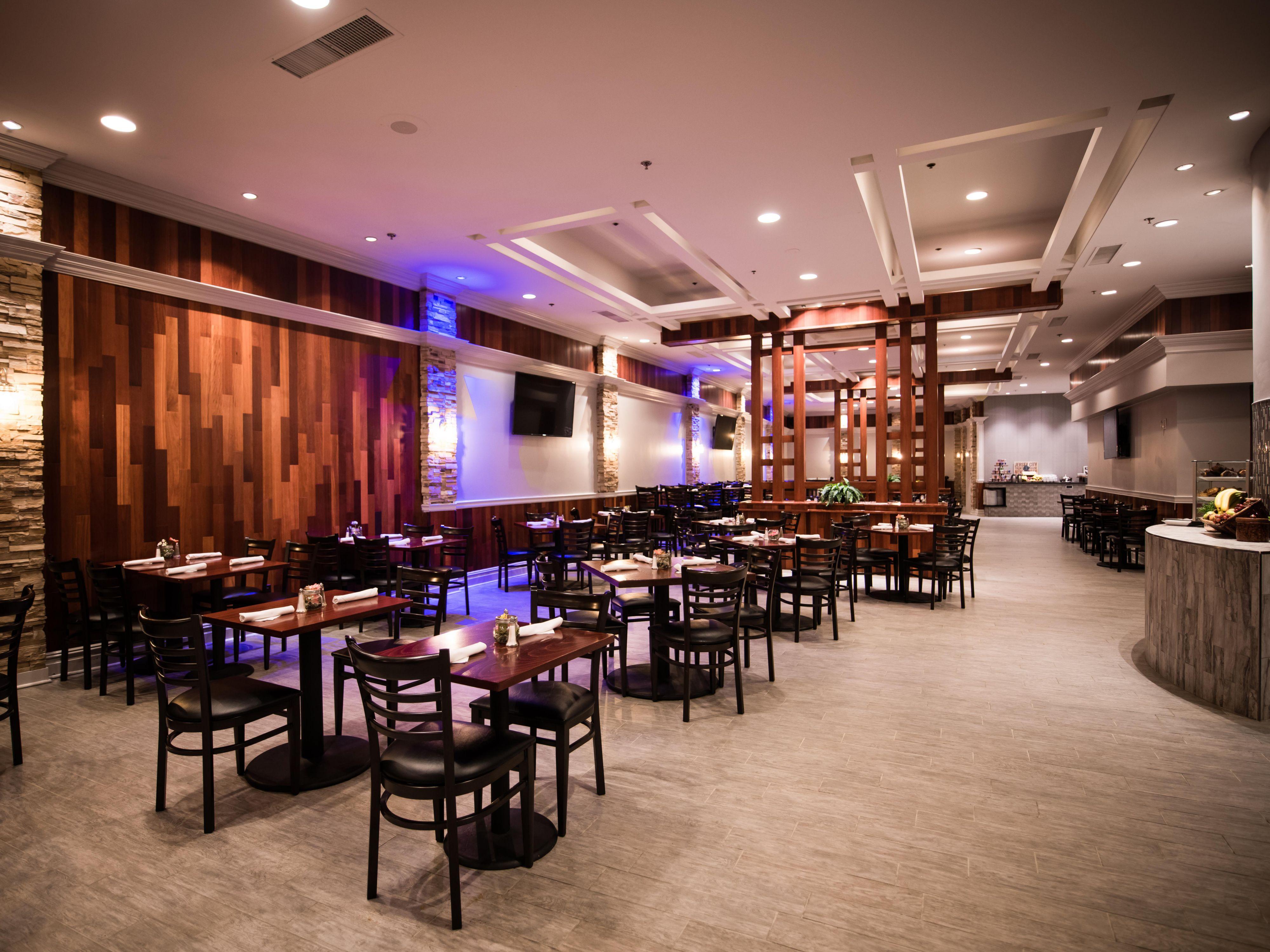 restaurants near cherry hill crowne plaza