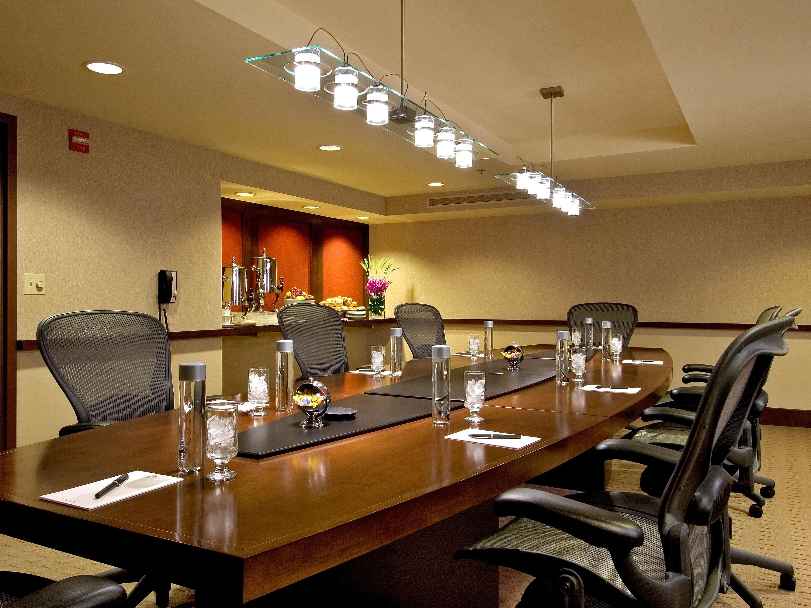 Crowne Plaza Chicago Metro Downtown - Hotel Meeting Rooms for Rent