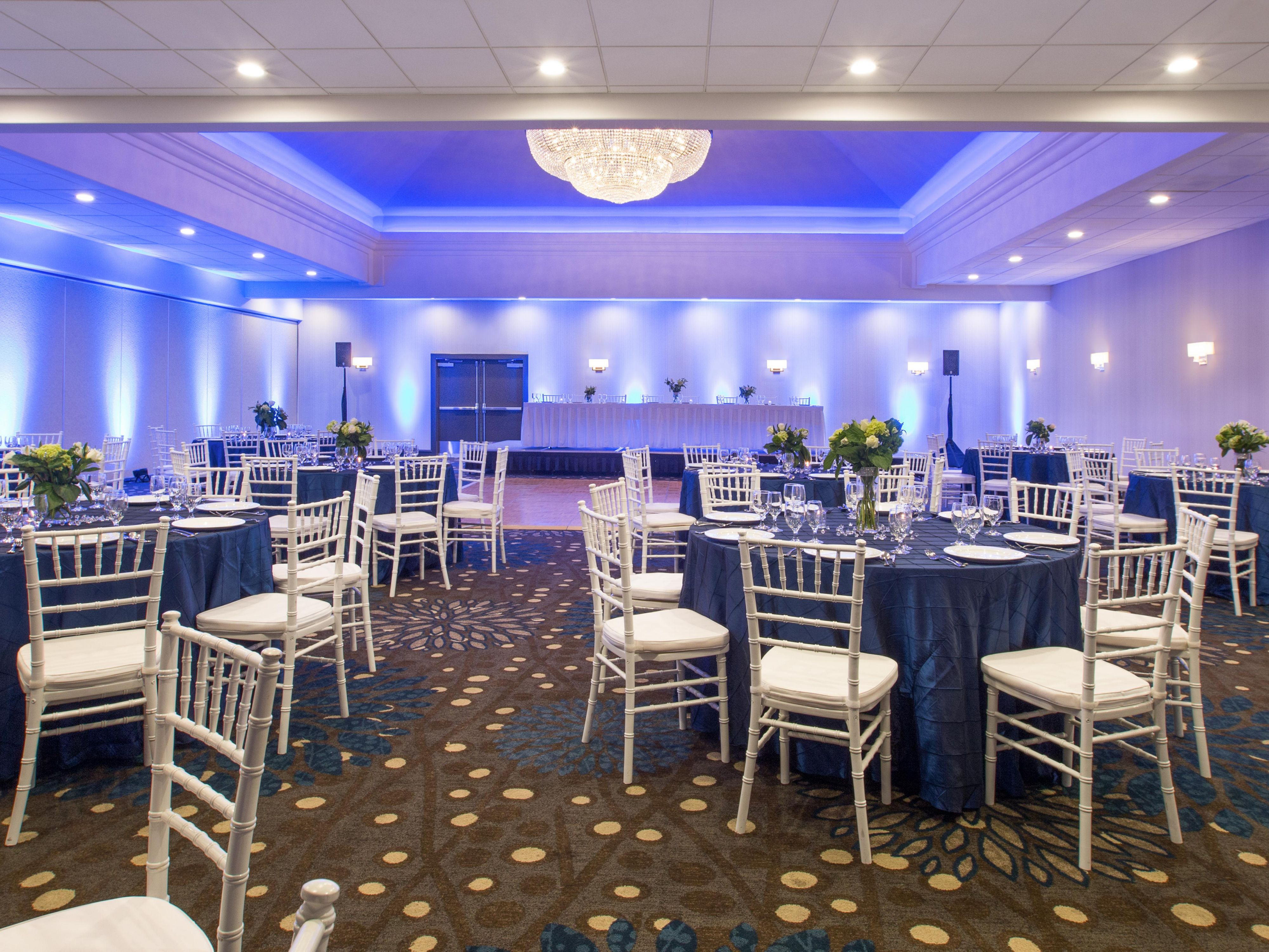 Chiavari chairs rental chicago chairs for - Ballroom Photo