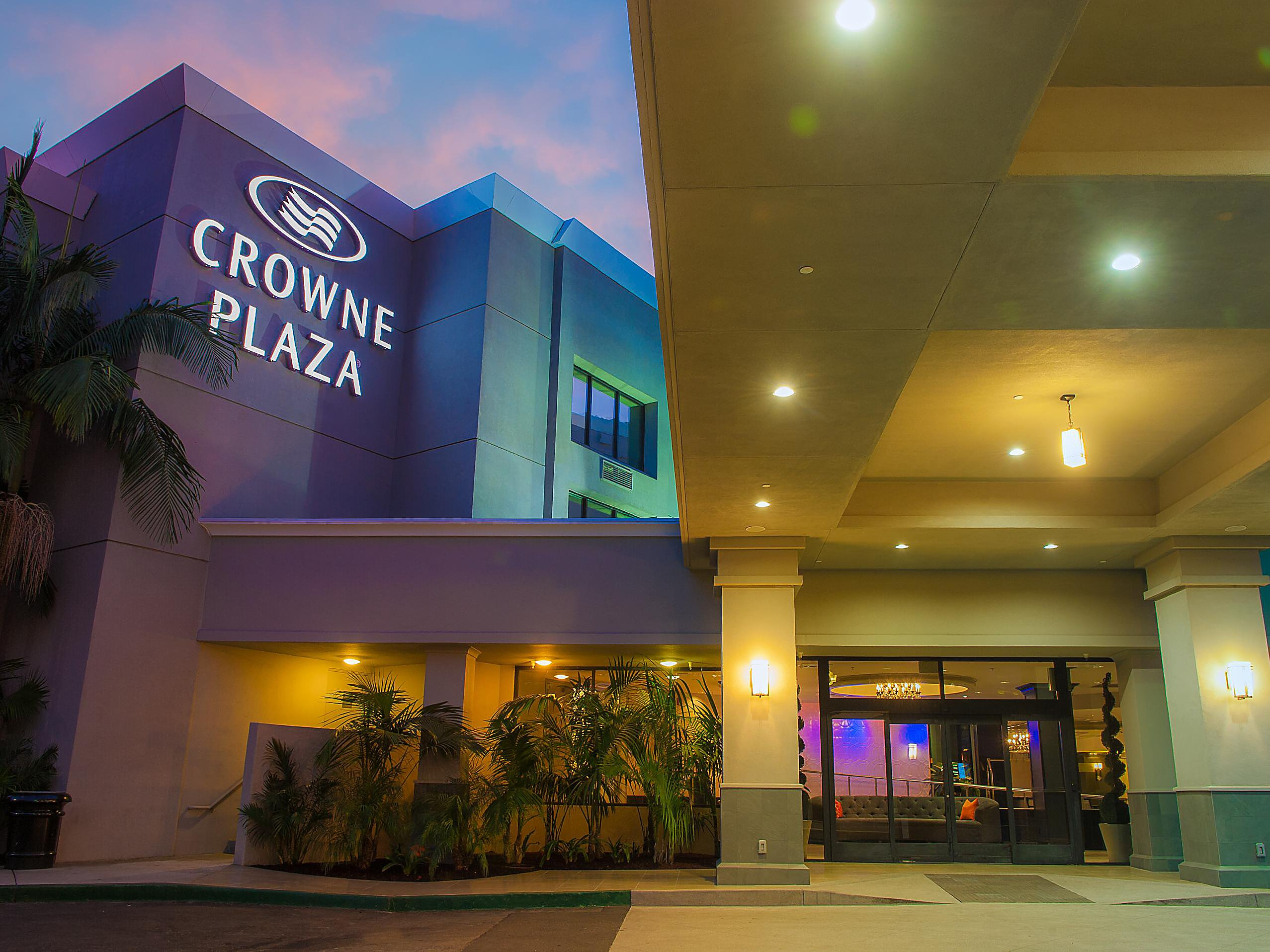 Hotels In Costa Mesa Near John Wayne Airport Crowne Plaza Costa