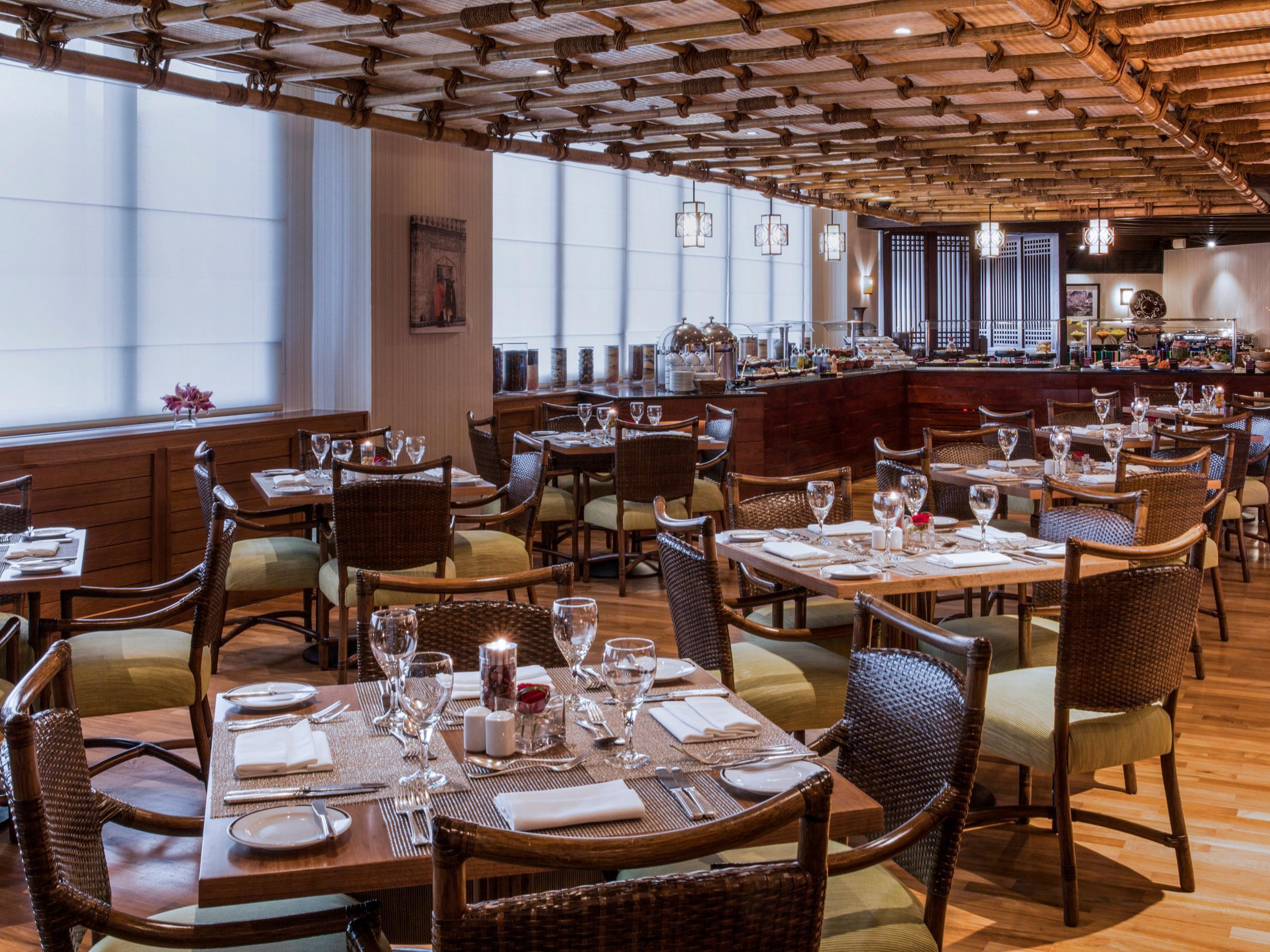 Crowne Plaza Dubai Hotels | Dubai - Deira | Dining