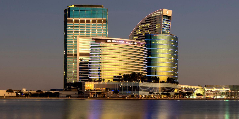 Crowne Plaza Hotel La