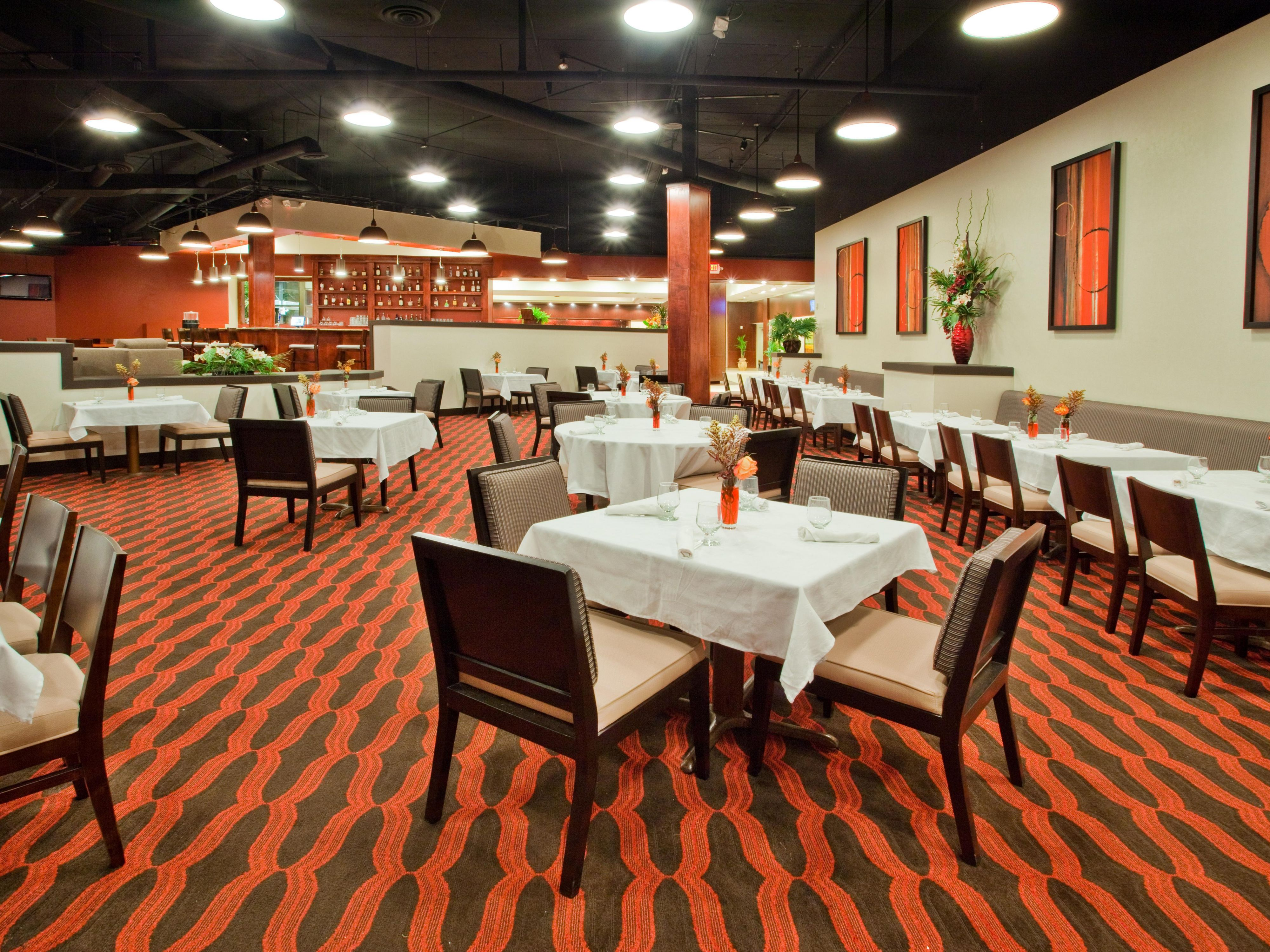Awesome Restaurant Photo. Crowne Plaza Grand Rapids ...