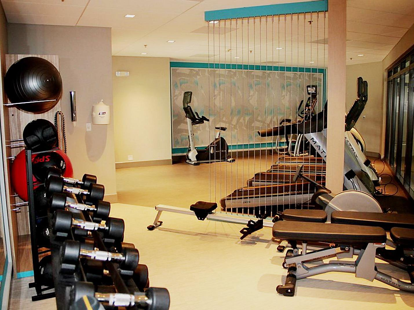 Crowne plaza dulles airport health and fitness facilities