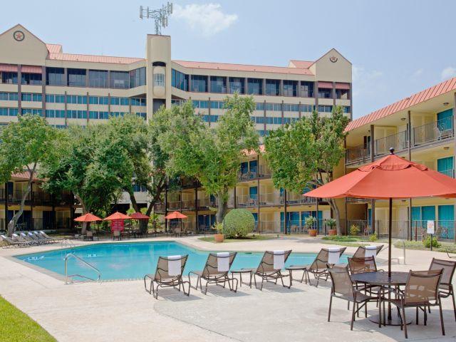 Crowne Plaza Houston Near Reliant Medical Houston, Texas