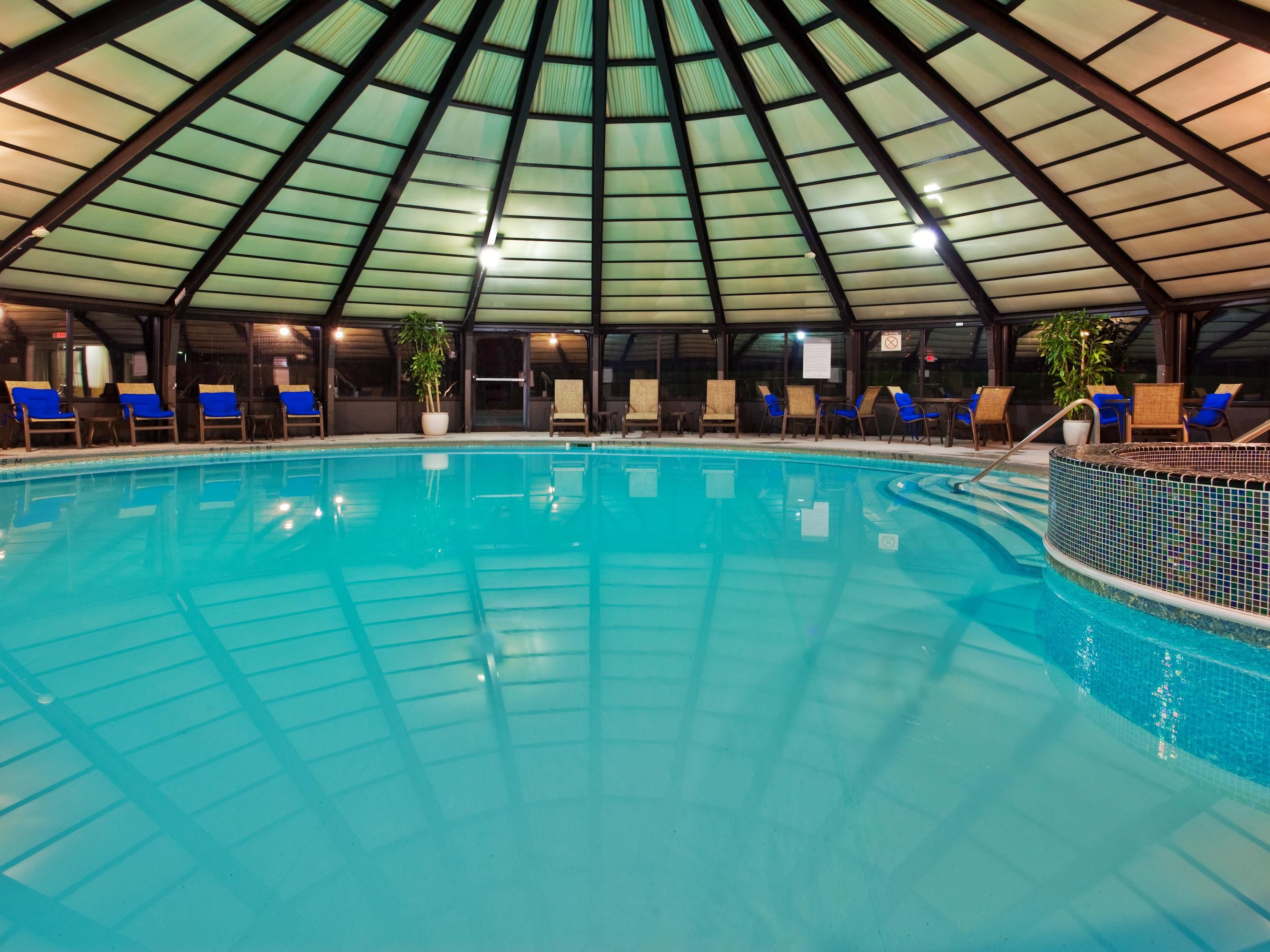 Swimming Pool At Crowne Plaza Cleveland South Groupsandmeetingsphotos