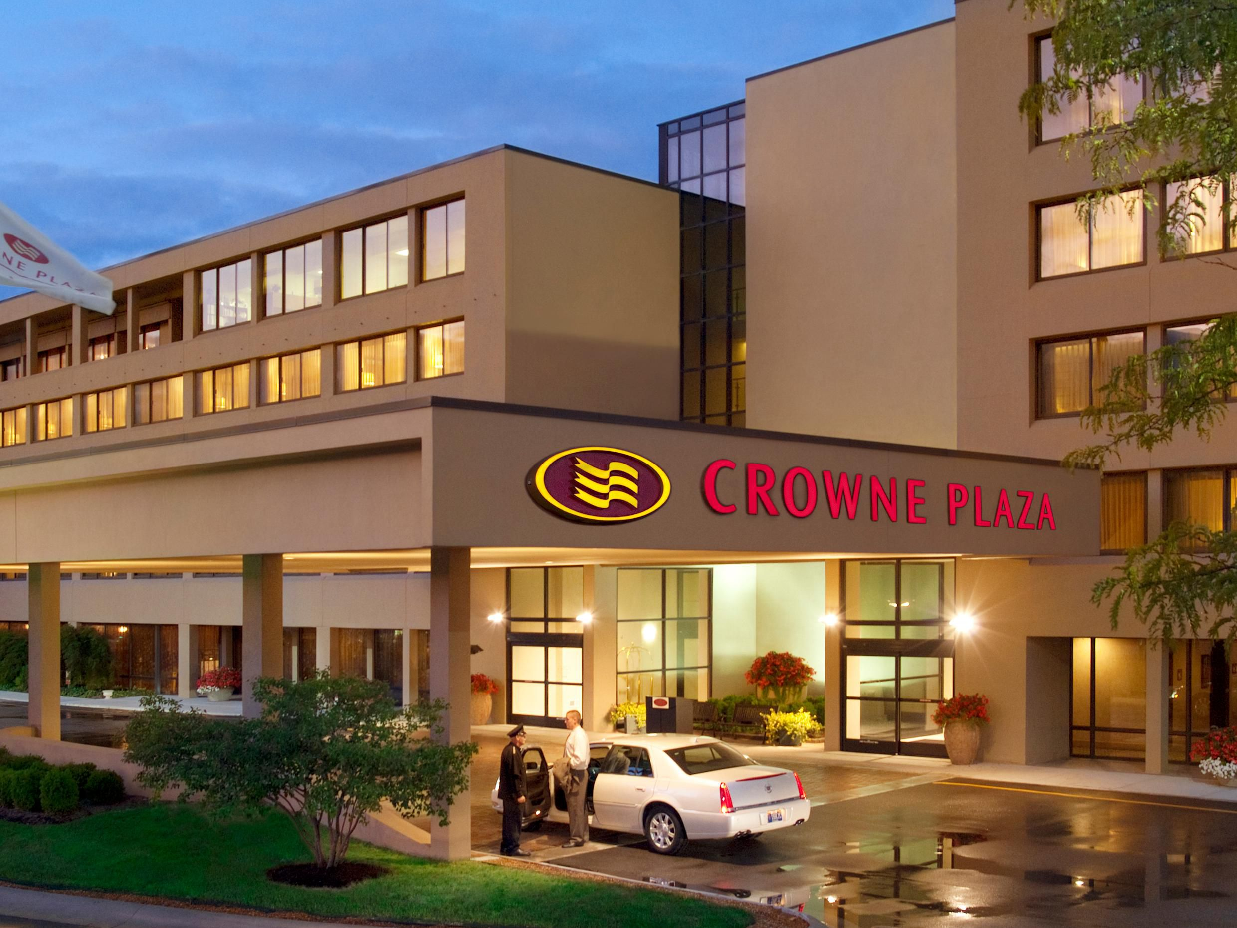 Airport Plaza Inn Crowne Plaza Indianapolis Airport Indianapolis Indiana
