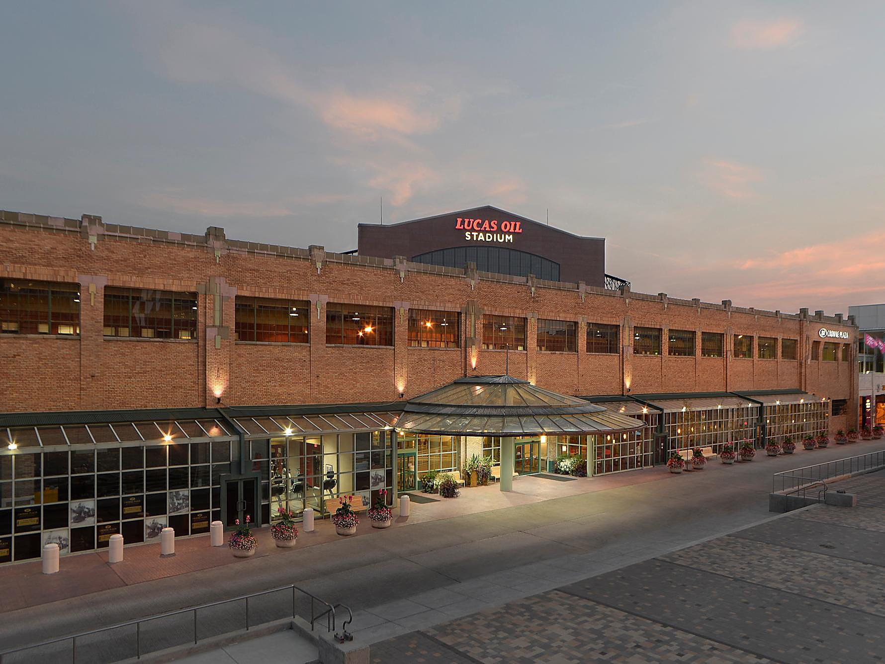 Downtown Indy Hotels | Crowne Plaza Indianapolis-Dwtn-Union Stn