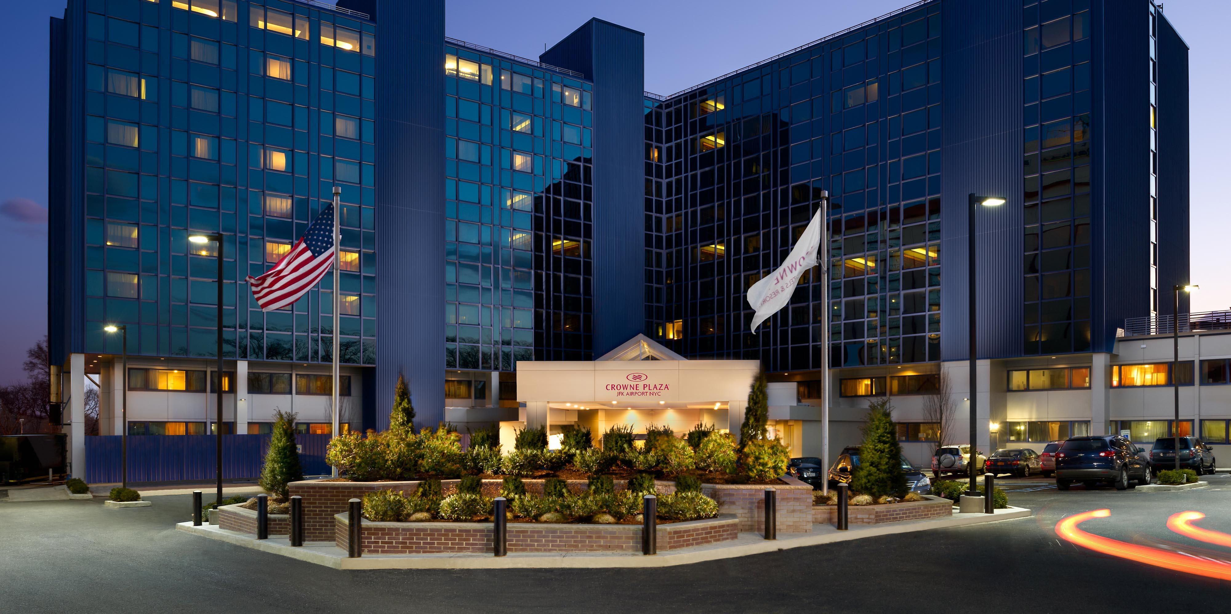 Crowne Plaza Jfk Airport Nyc Hotels In Jamaica