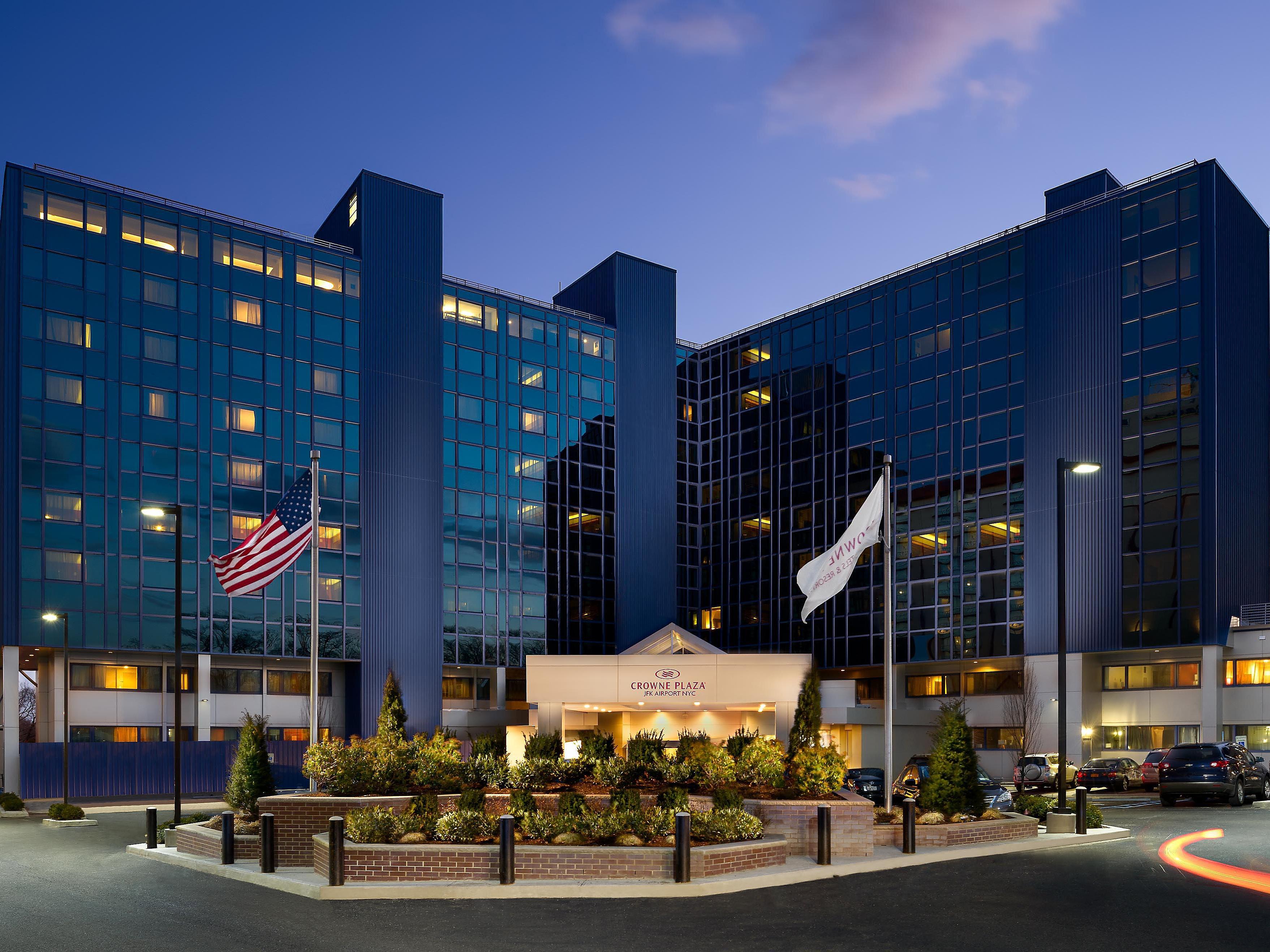 JFK Airport Hotels in Jamaica, Queens   Crowne Plaza JFK