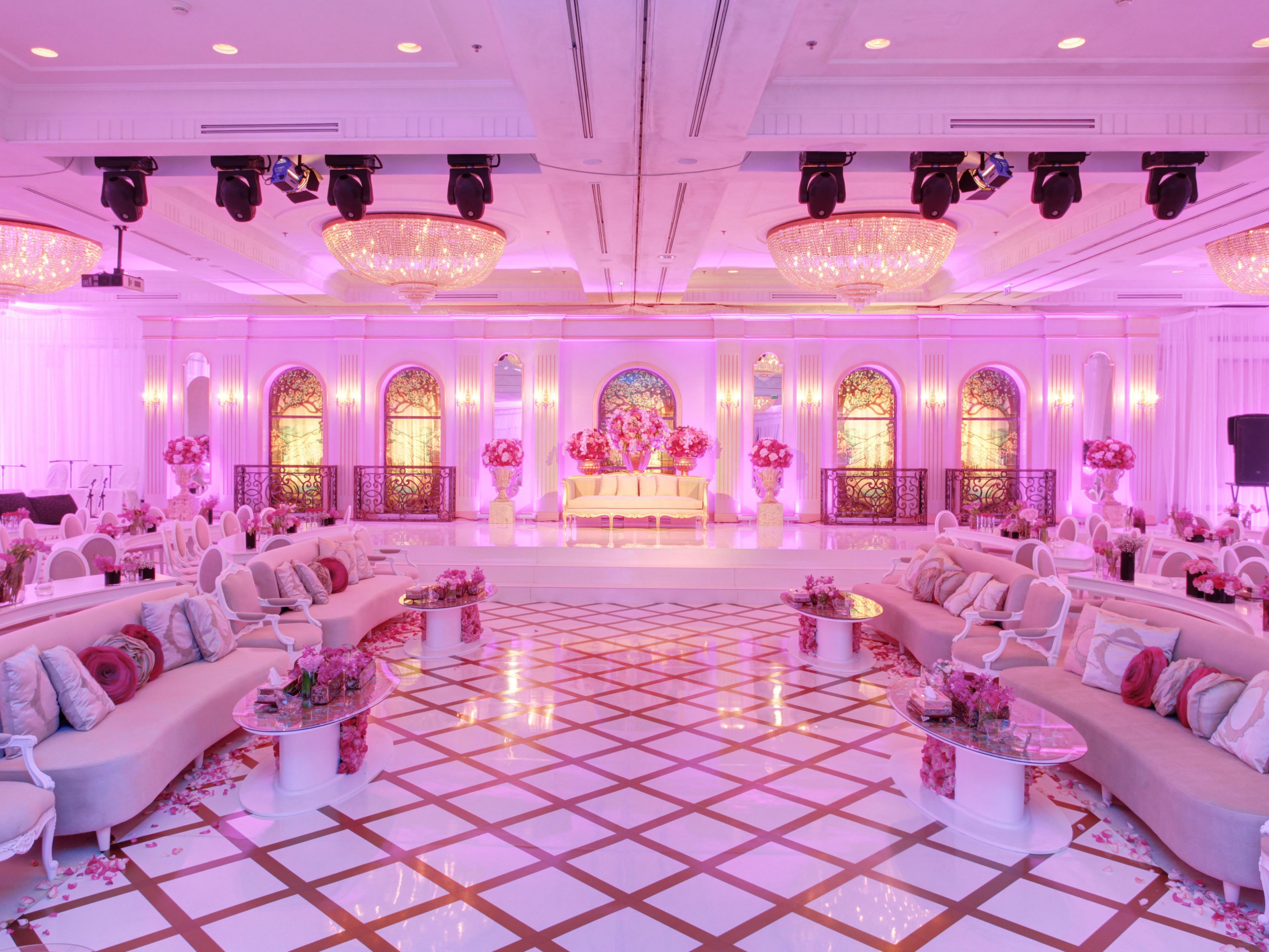 Wedding decoration using balloons all the best ideas about marriage wedding decoration jeddah junglespirit Image collections
