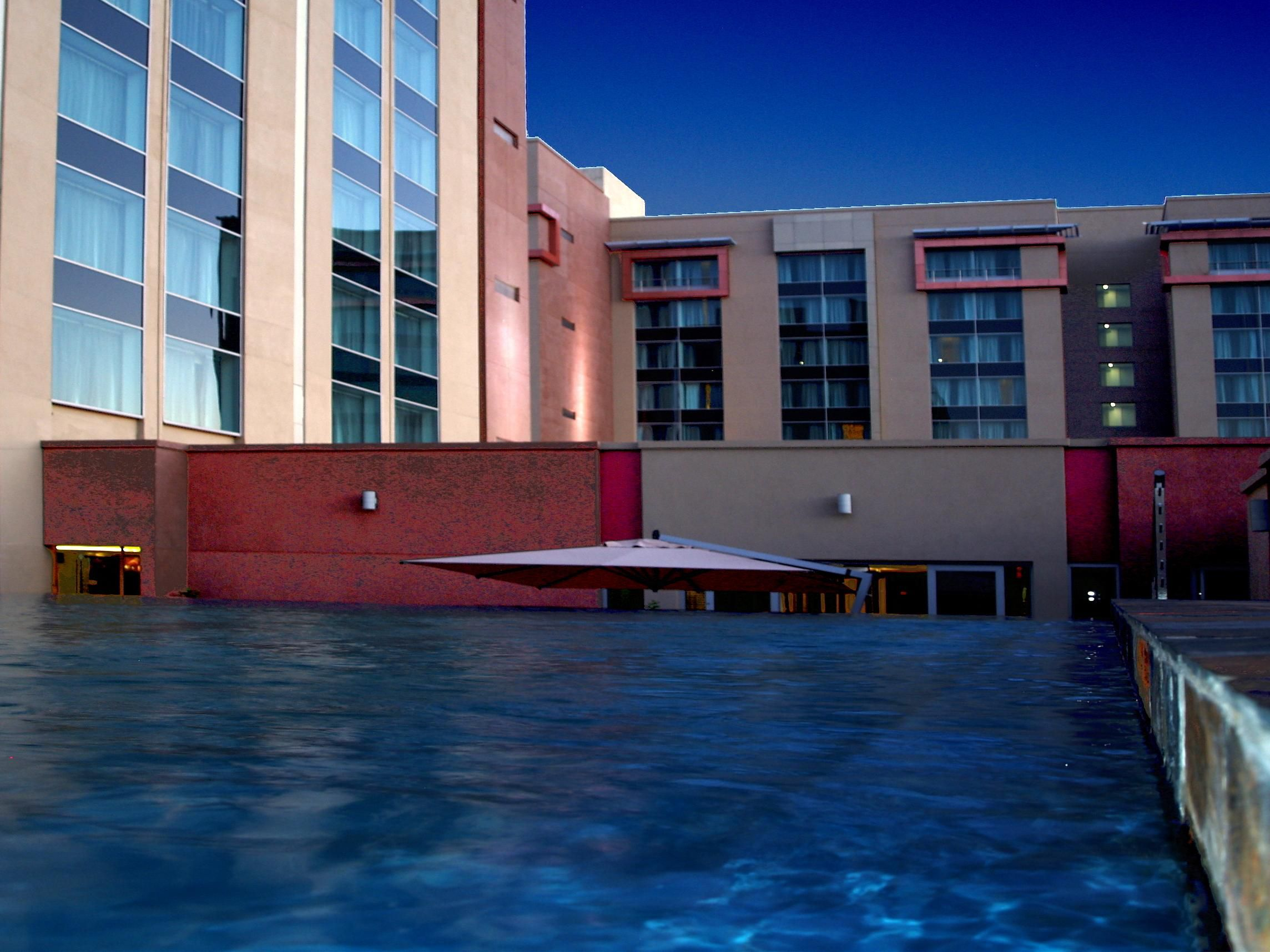 Swimmign Pool photo Crowne Plaza Johannesburg