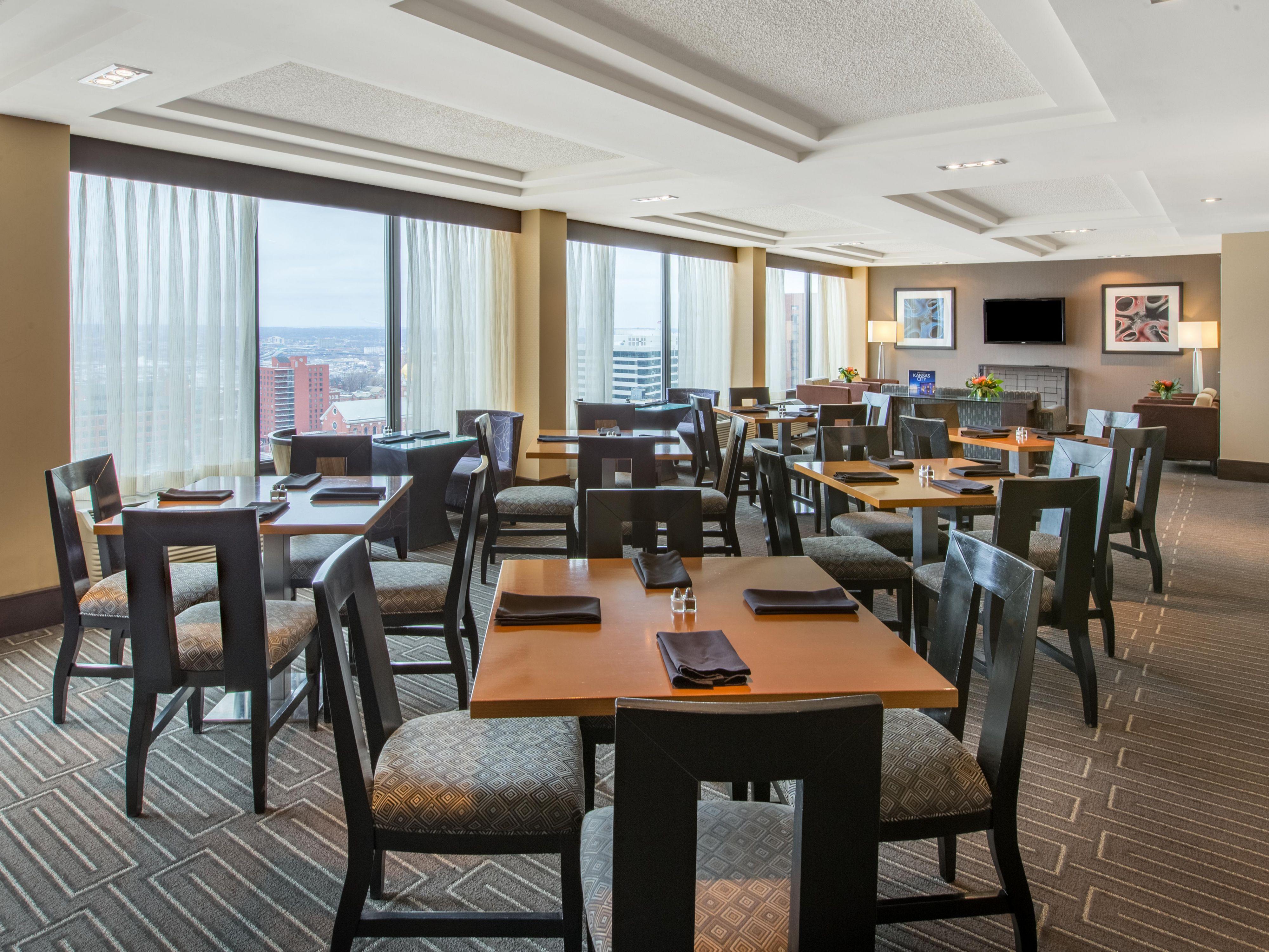 Club Floor Lounge Photo
