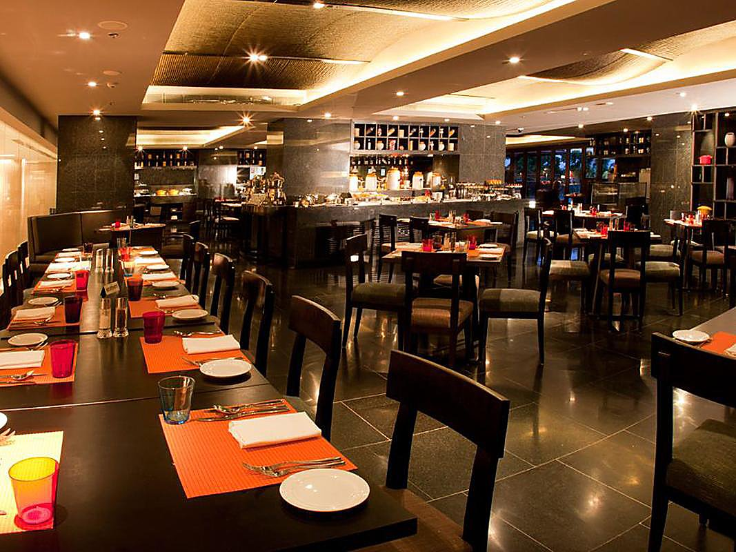 Restaurants Near Kochi Crowne Plaza