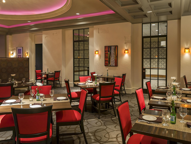 Restaurants Near Lansing Crowne Plaza