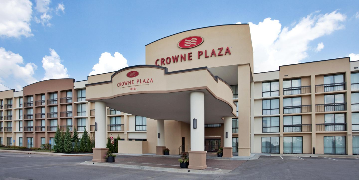 Restaurants Near Crowne Plaza Hotel Kansas City