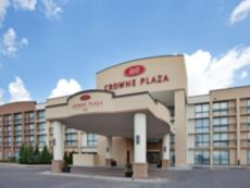 Crowne Plaza Kansas City - Overland Park in Bonner Springs, Kansas