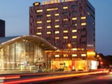 Crowne Plaza Lille - Euralille in Englos, France