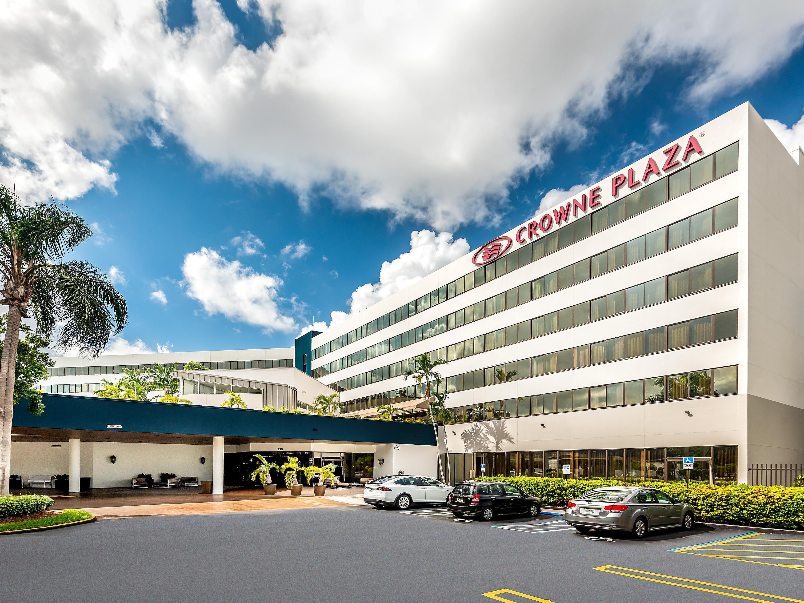 Business Hotels near Miami Airport (MIA) | Crowne Plaza Miami Airport