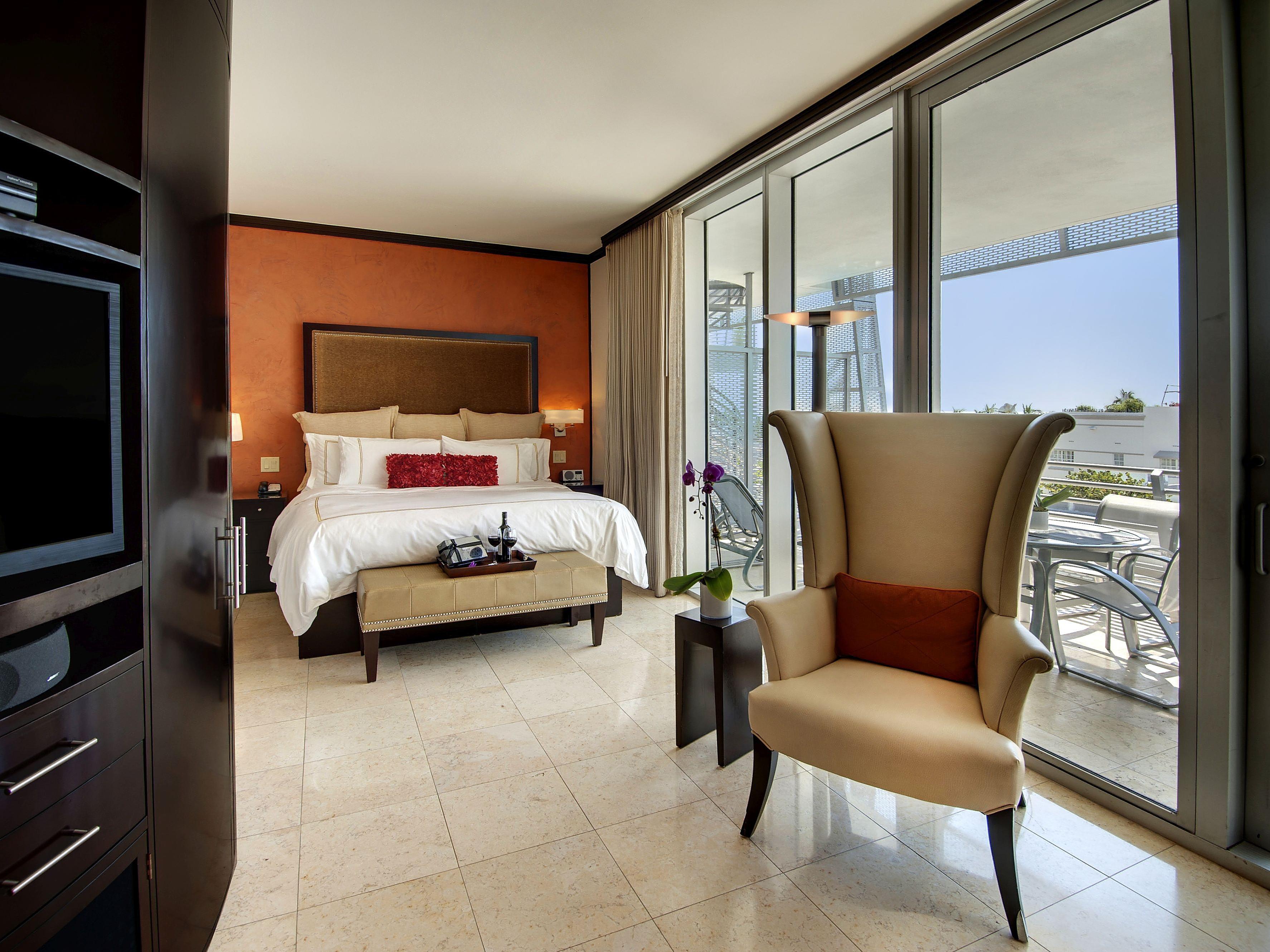 Phenomenal Hotels On Ocean Drive South Beach Miami Crowne Plaza South Download Free Architecture Designs Lukepmadebymaigaardcom