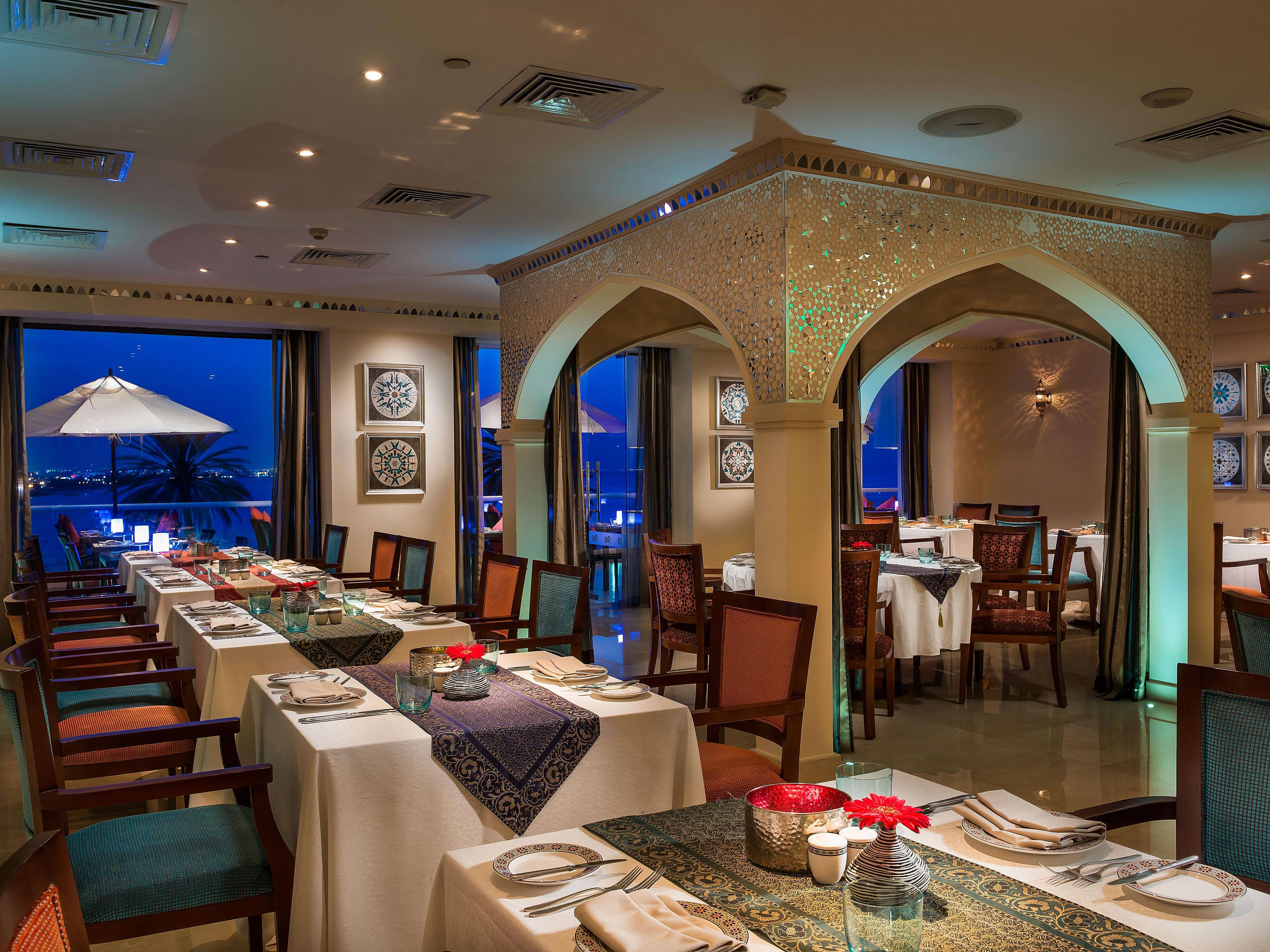 Restaurants Near Mu Crowne Plaza