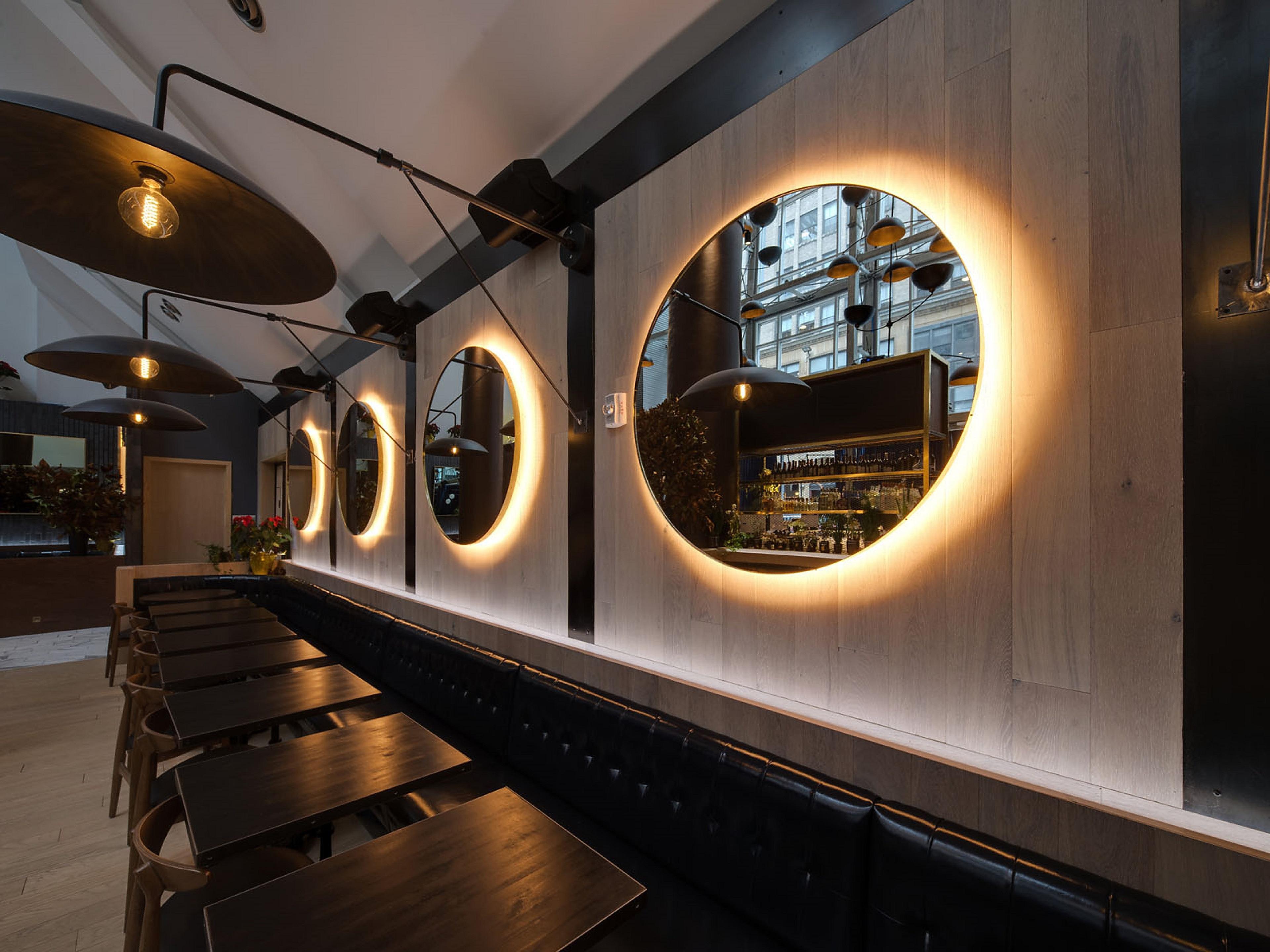Restaurants Near New York Crowne Plaza