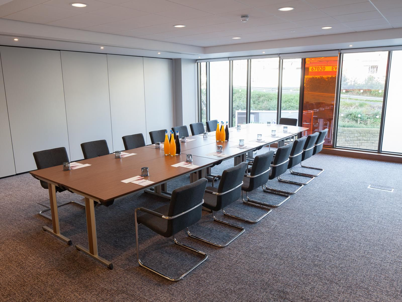 Crowne plaza newcastle office furniture newcastle uk for Office design newcastle