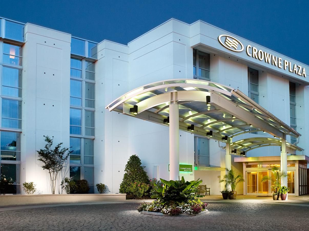 Crowne Plaza (CHS) Airport Hotel Near Charleston Airport - North ...