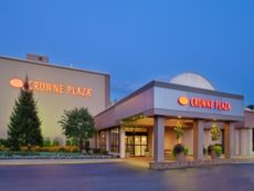 Crowne Plaza Chicago-Northbrook in Rosemont, Illinois