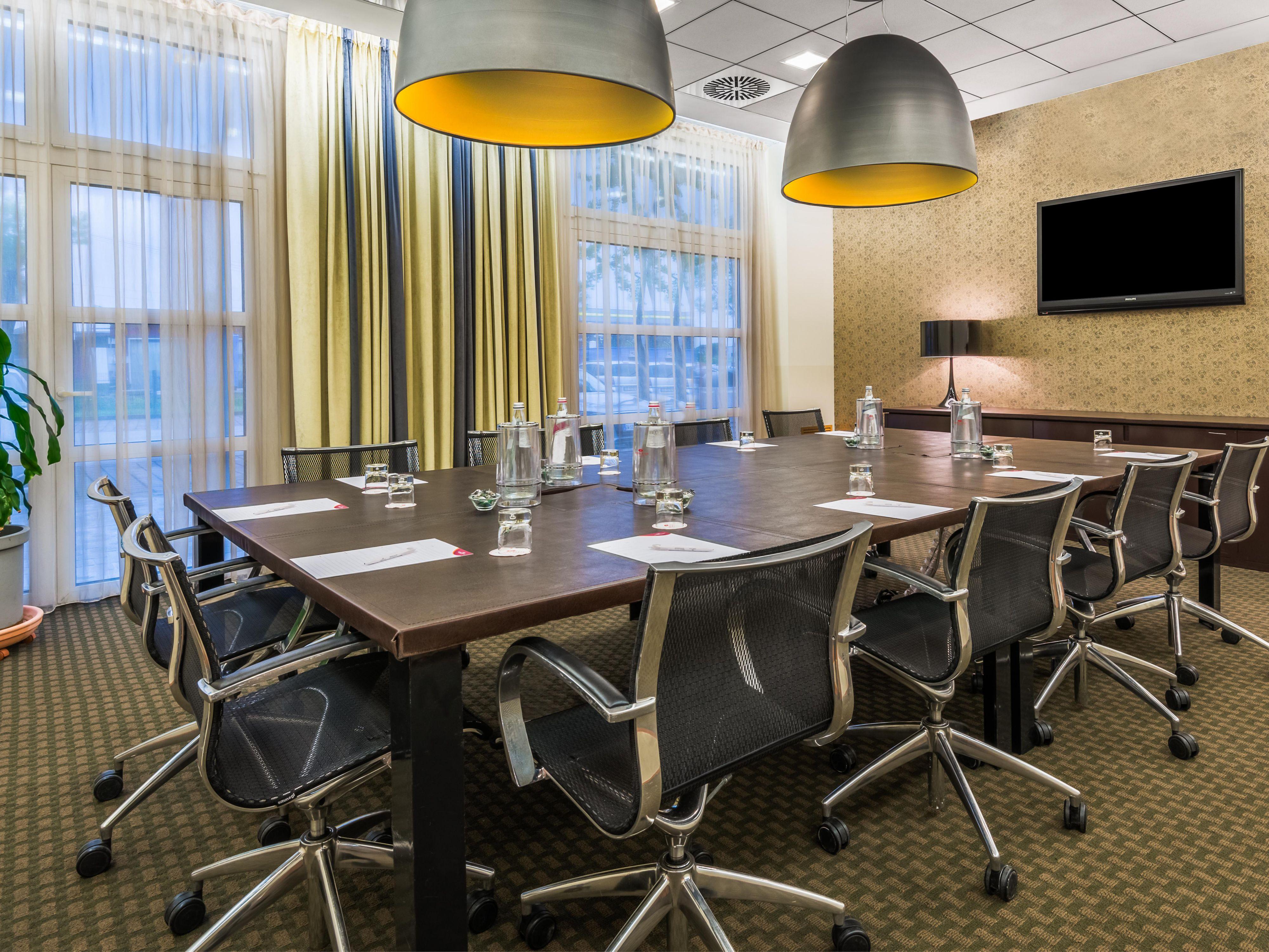 Sale Riunioni Padova : Crowne plaza padova hotel meeting rooms for rent