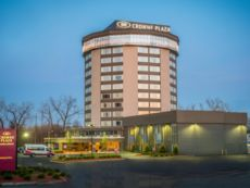 Crowne Plaza Saddle Brook in Nanuet, New York