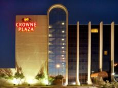 Crowne Plaza Suites Arlington - Ballpark - Stadium