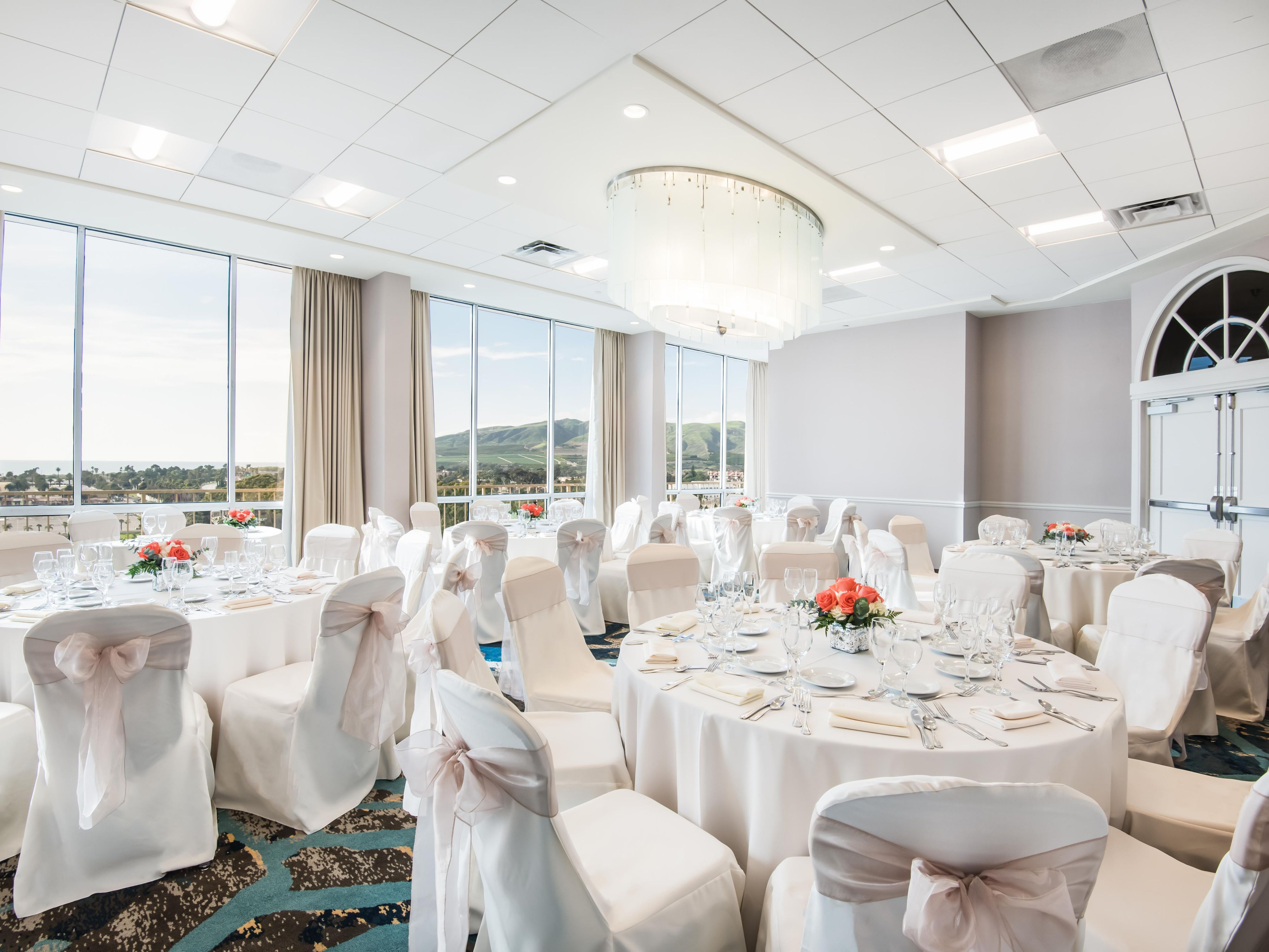 Banquetroomphoto Banquet Room Crowne Plaza Ventura Beach Hotel Ballroom Specialeventsphoto