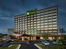 Holiday Inn Alexandria - Carlyle in La Plata, Maryland