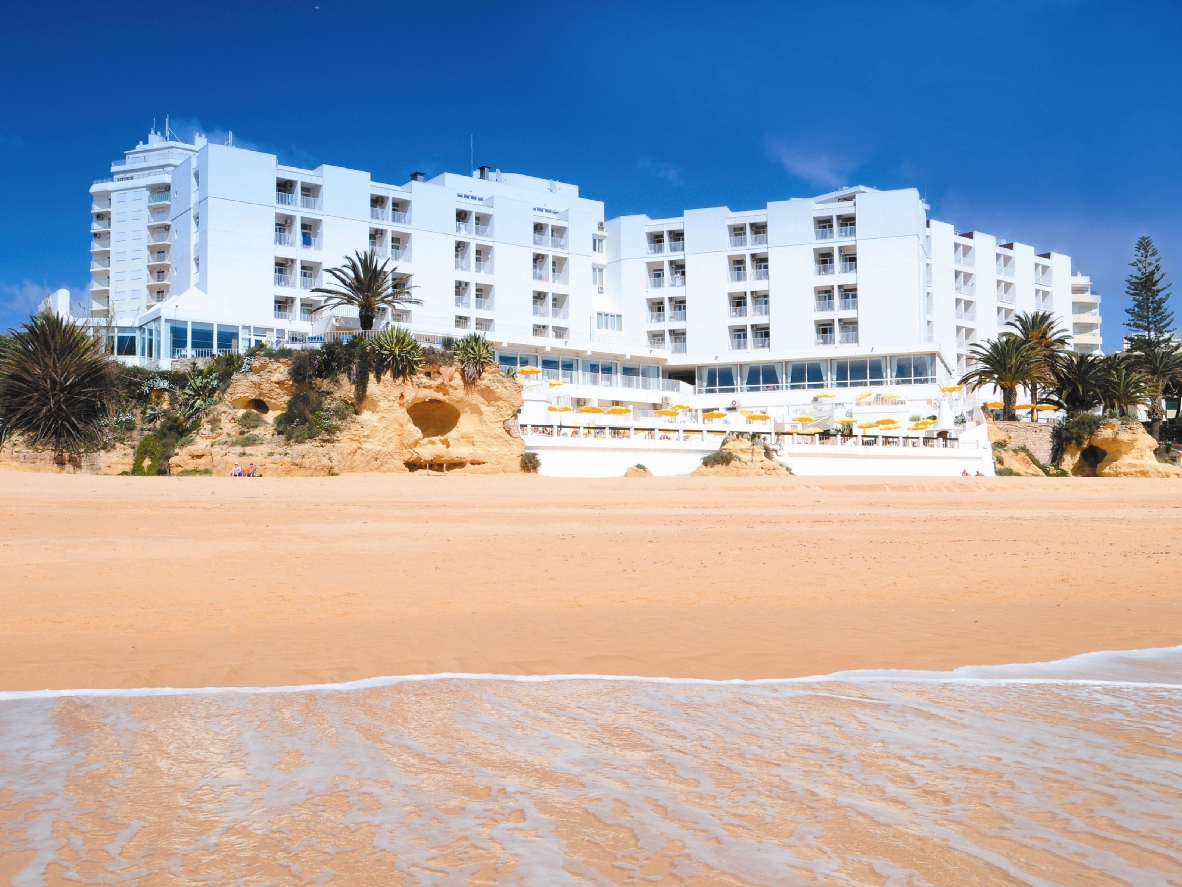 Hotels In Armacao De Pera Algarve