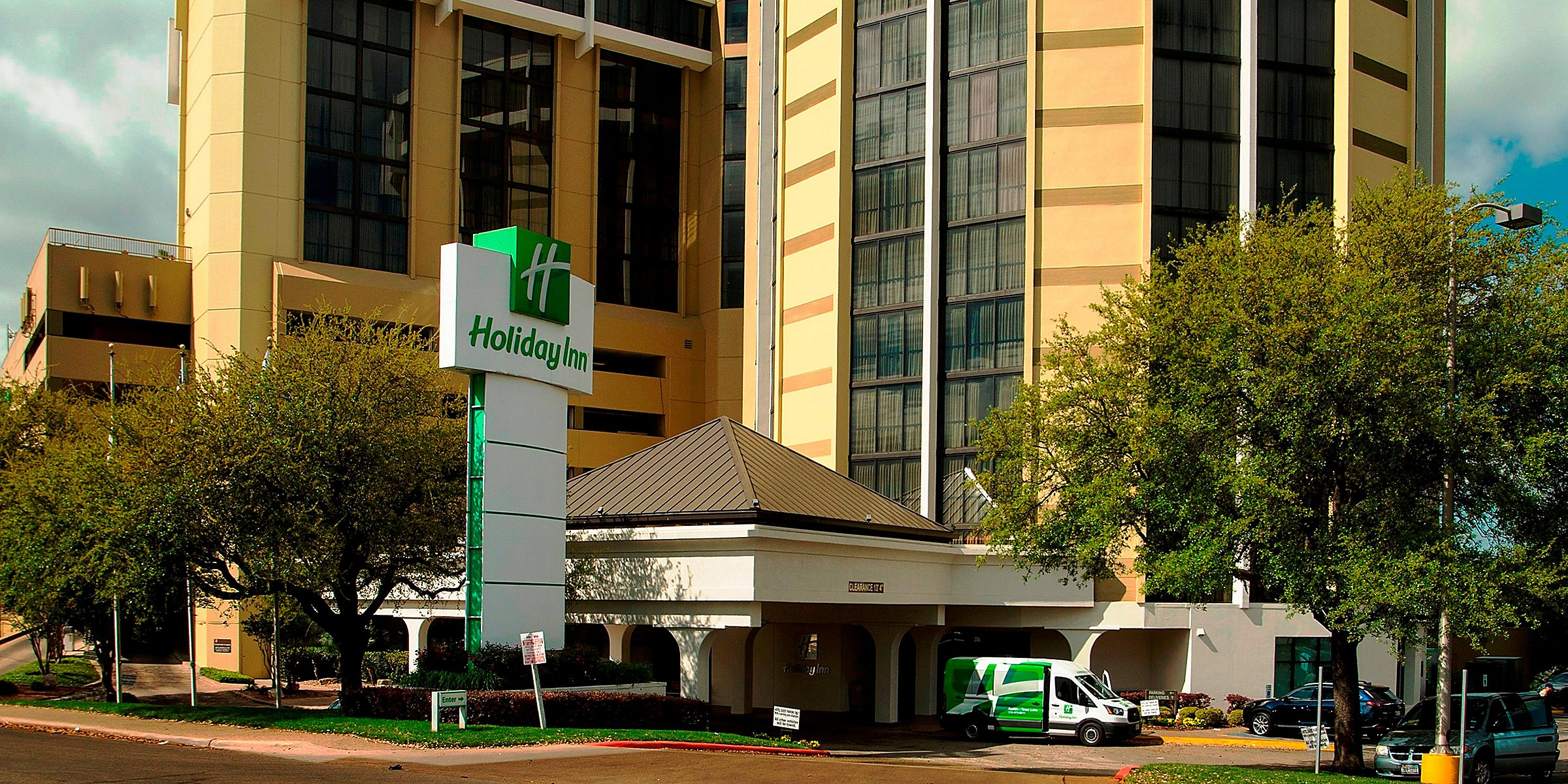 Hotels Near Austin Convention Center | Holiday Inn Austin