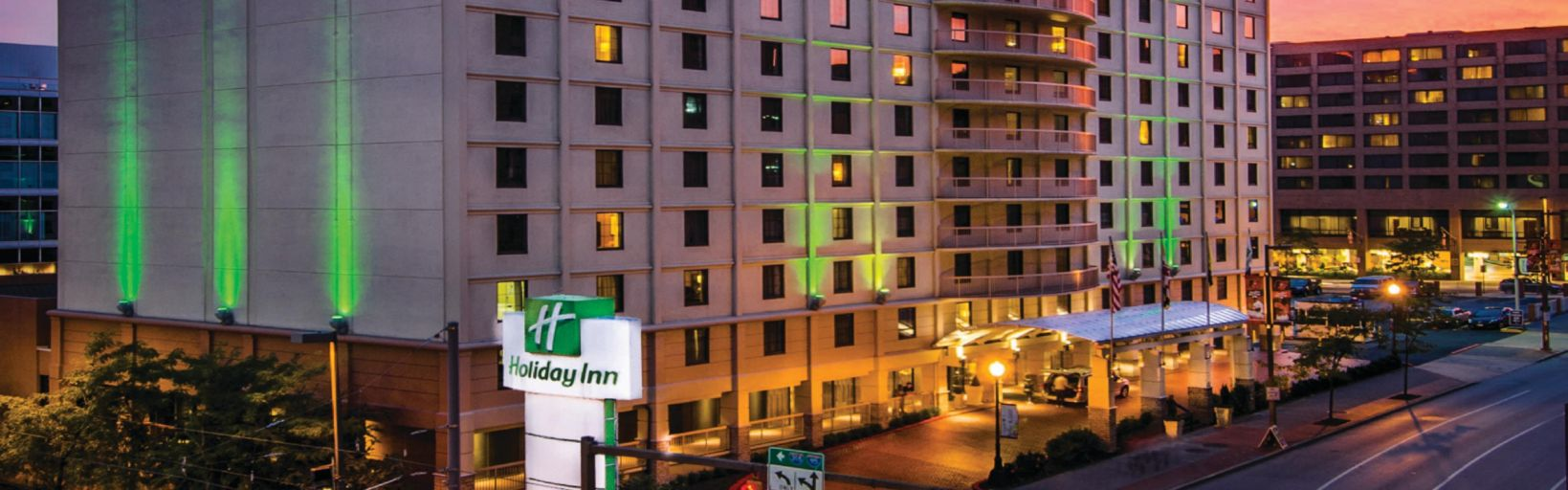 Hotel Exterior Holiday Inn Inner Harbor Downtown Baltimore City View Of