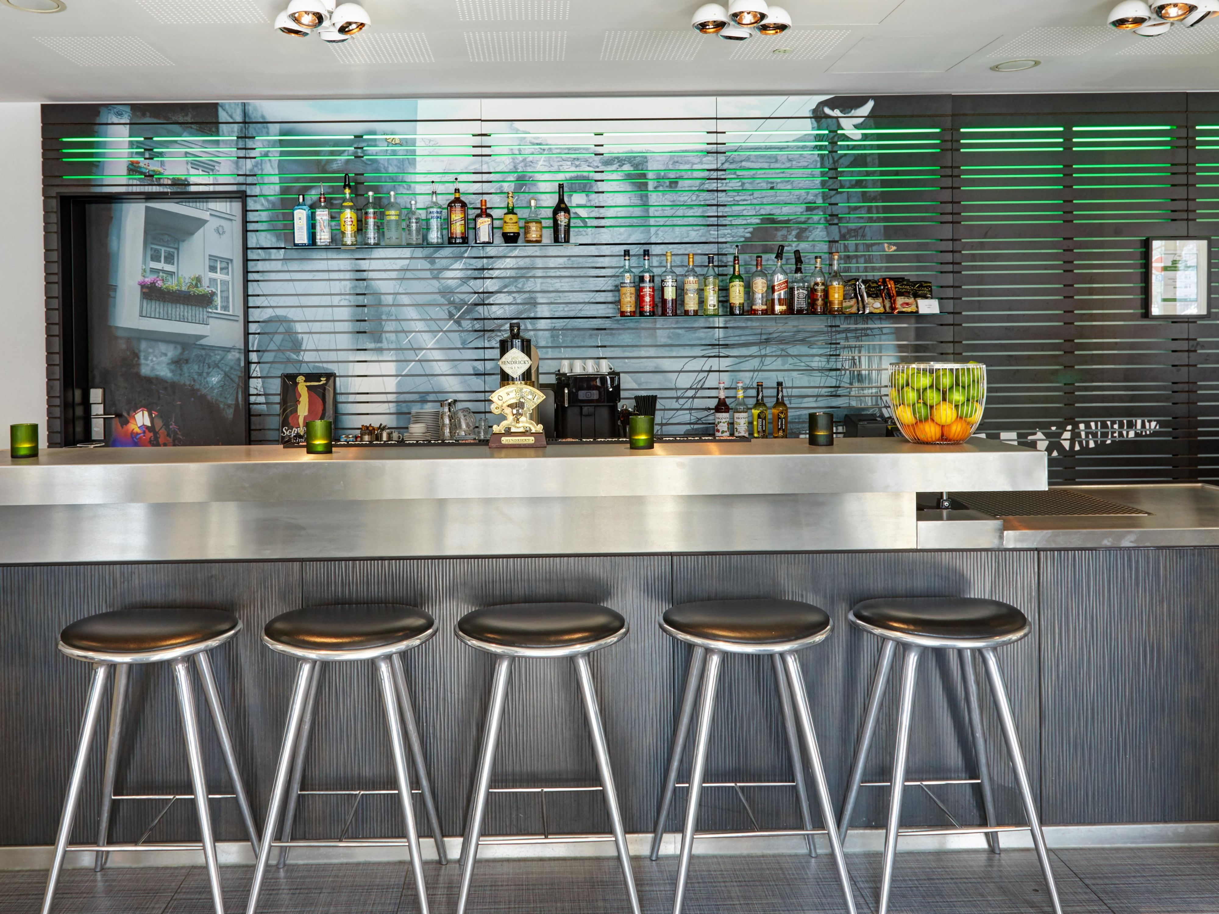 Relax with a drink in our contemporary and casual Lobby Bar