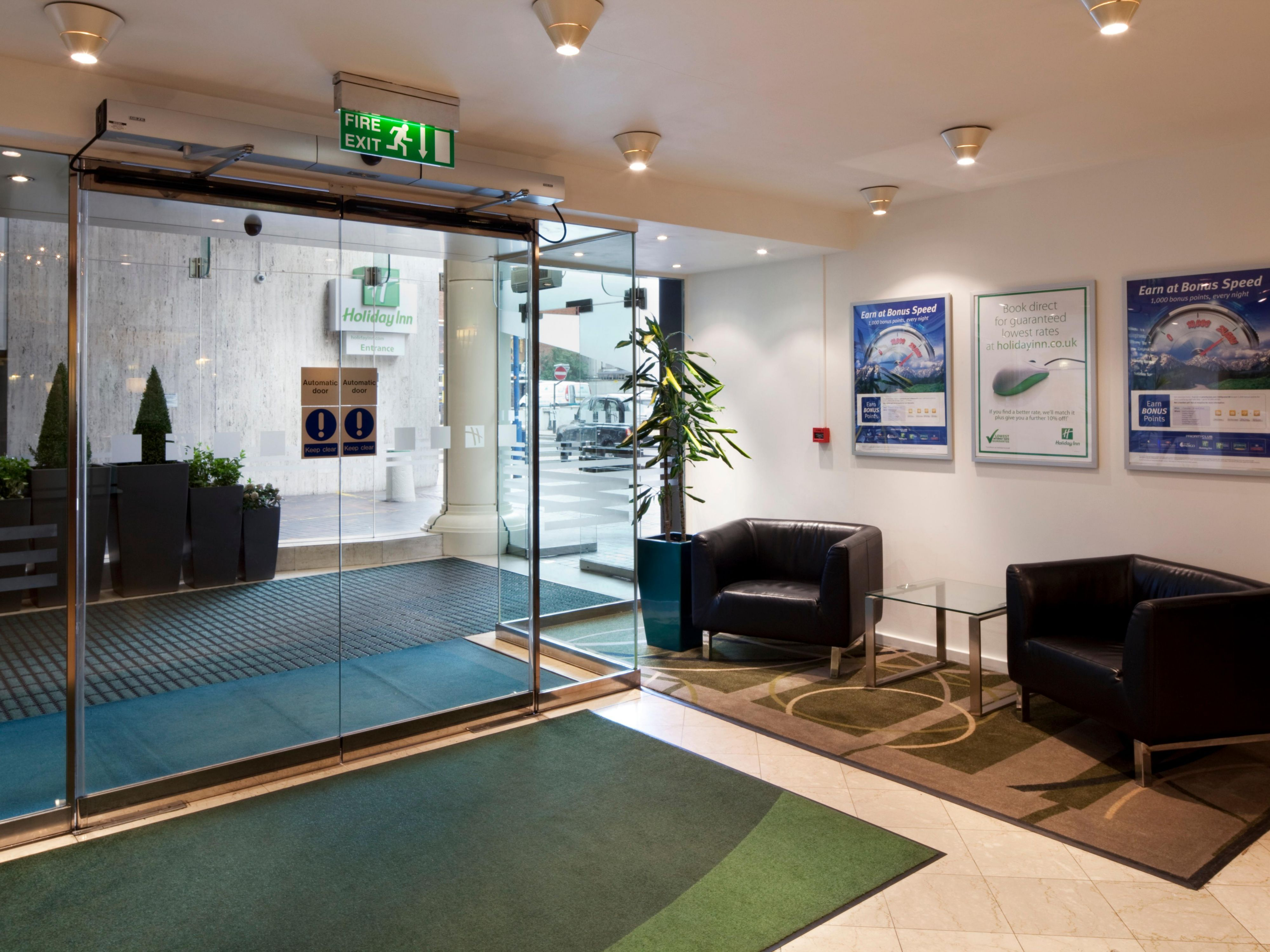 Hotel Lobby 2 minutes from New Street Train Station