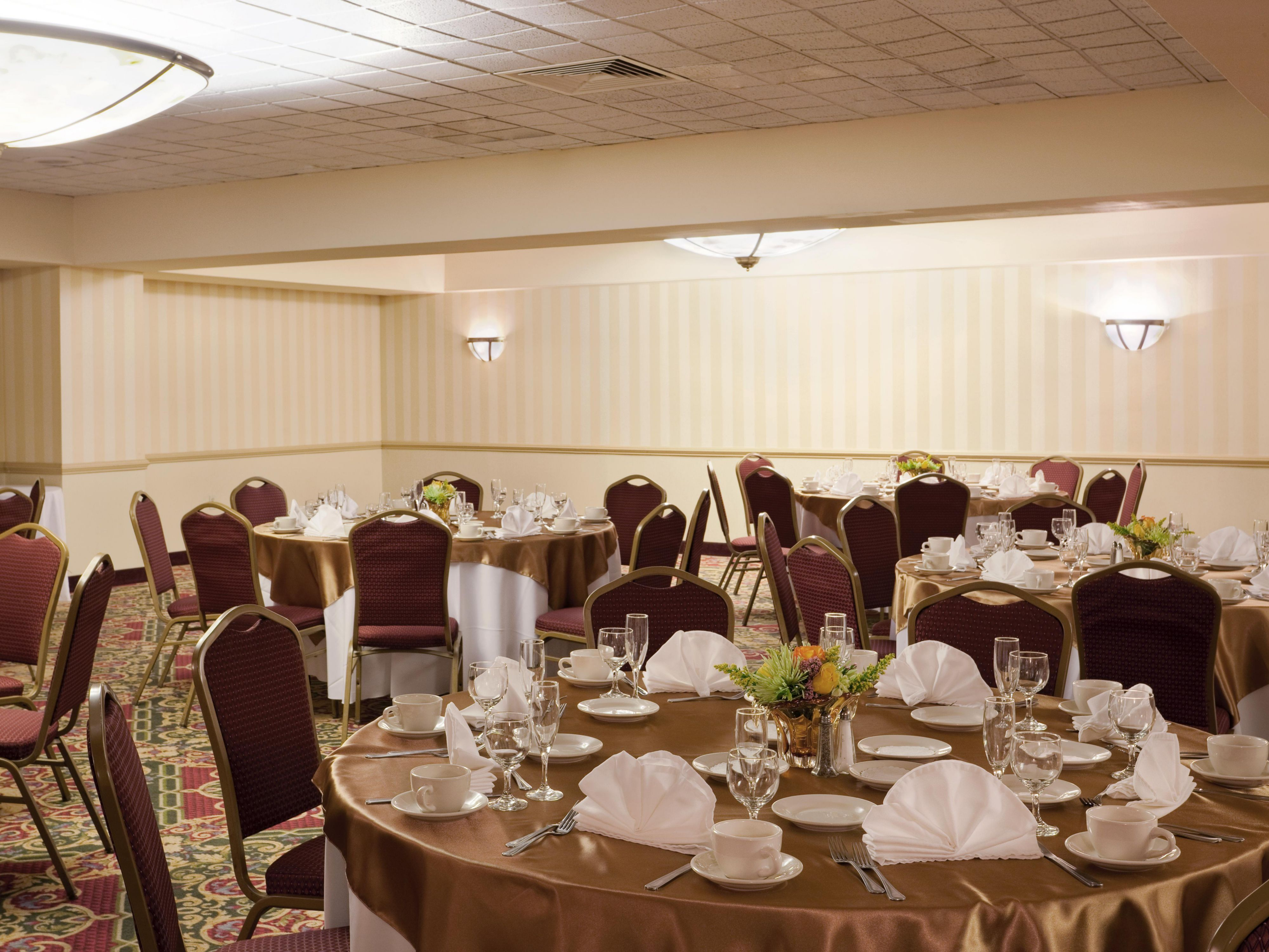 Four Boston meeting rooms offer guests 6,534 sq ft of space.