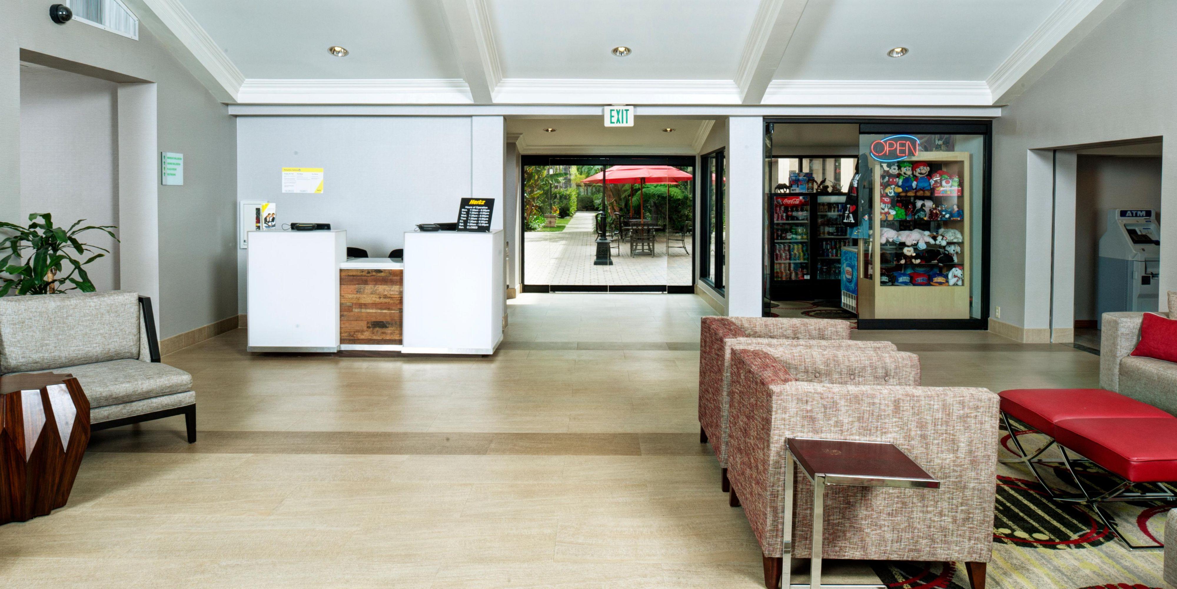 Hotels in Buena Park, CA near Knott's Berry Farm | Holiday