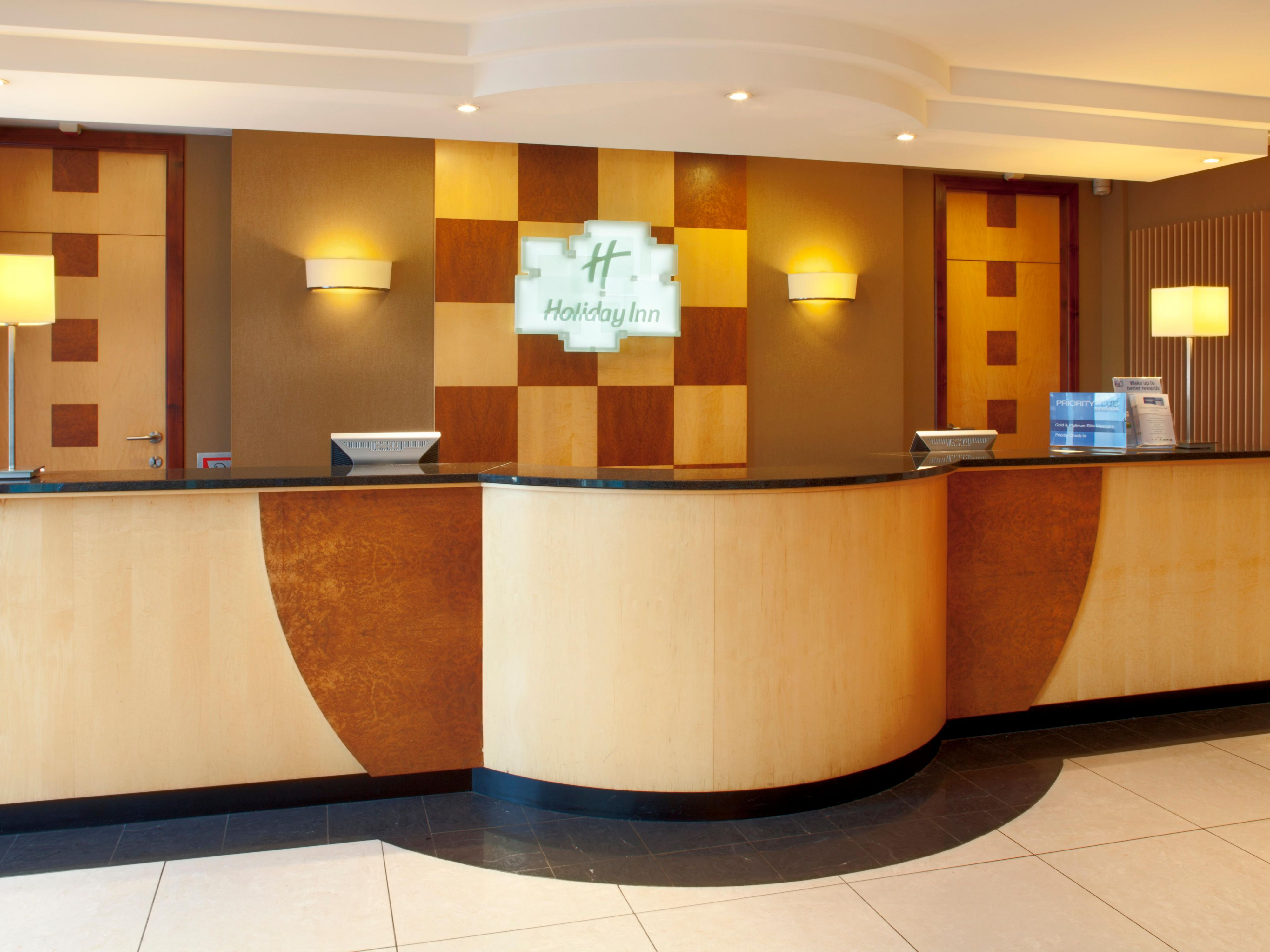Holiday Inn Calais Reception open 24/7