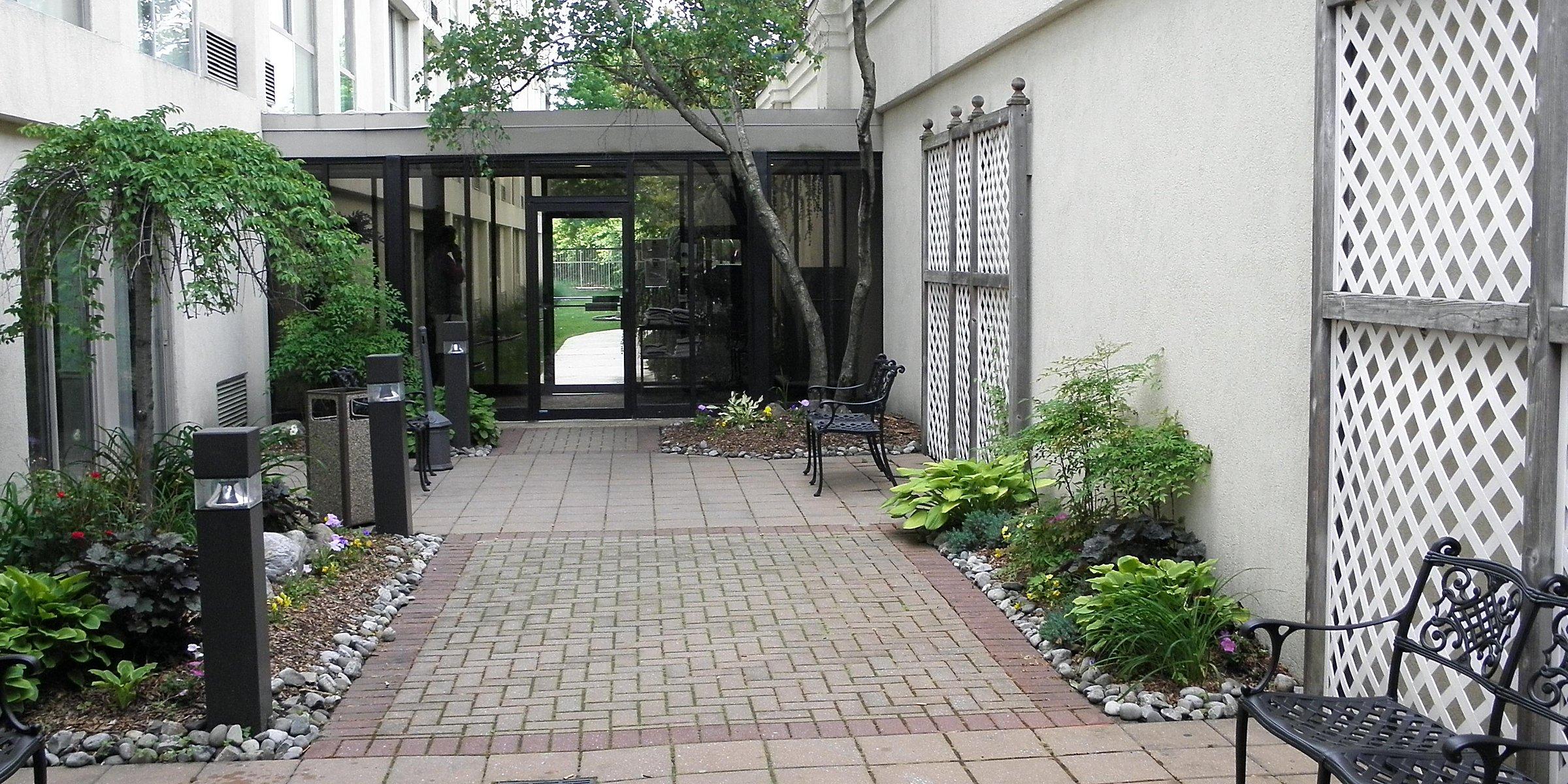 outlet store cd42f 73d3c Pet-Friendly Hotels Near Philadelphia in Cherry Hill, NJ ...